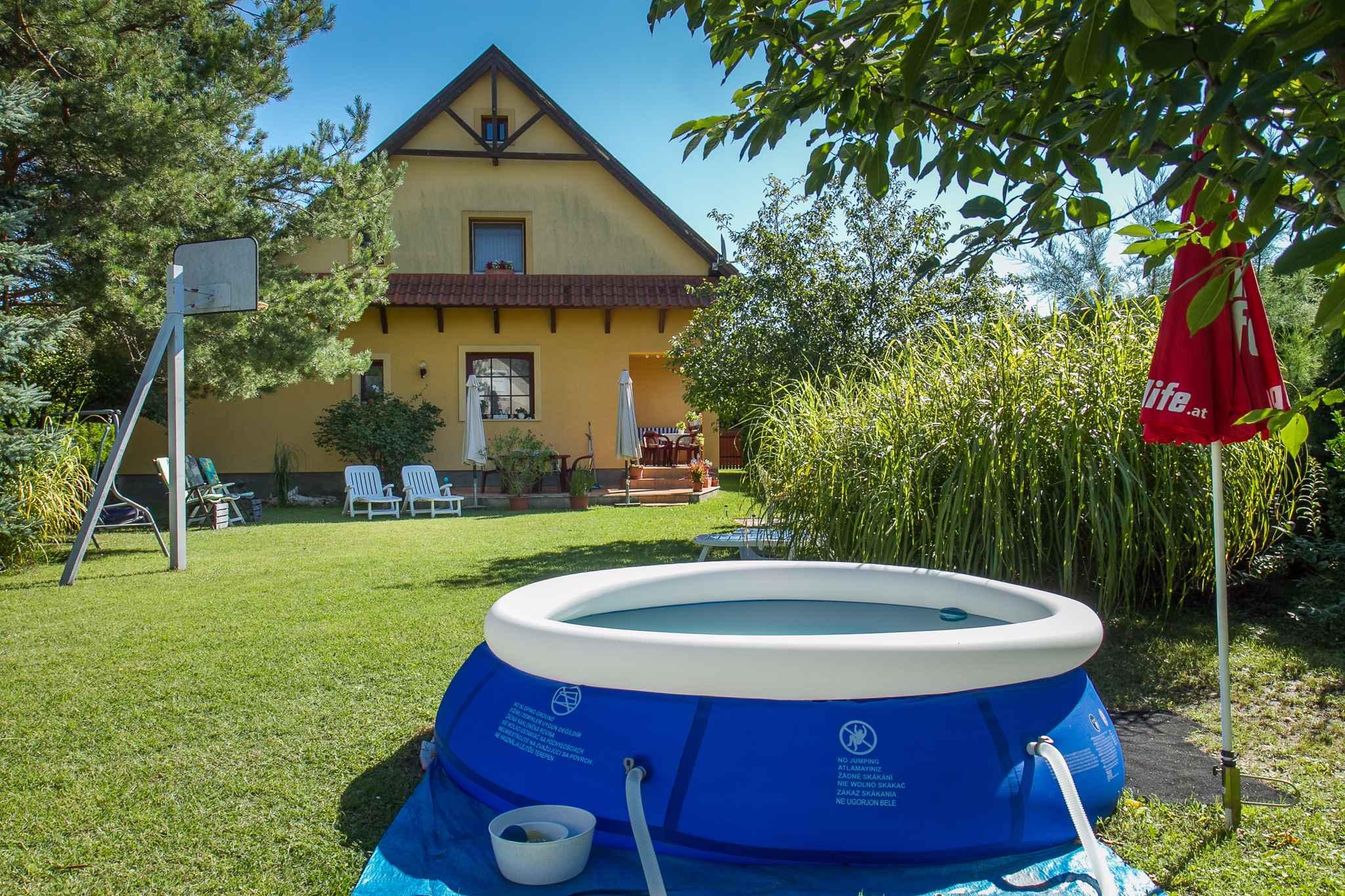 Ferienhaus mit Pool, Klimaanlage, Waschmaschine, s Ferienhaus in Ungarn
