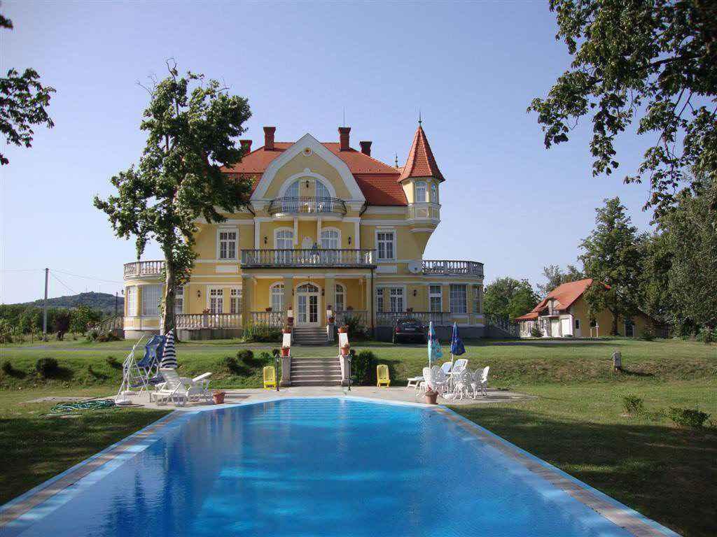 Villa für größere Familien und Bru Ferienhaus in Ungarn