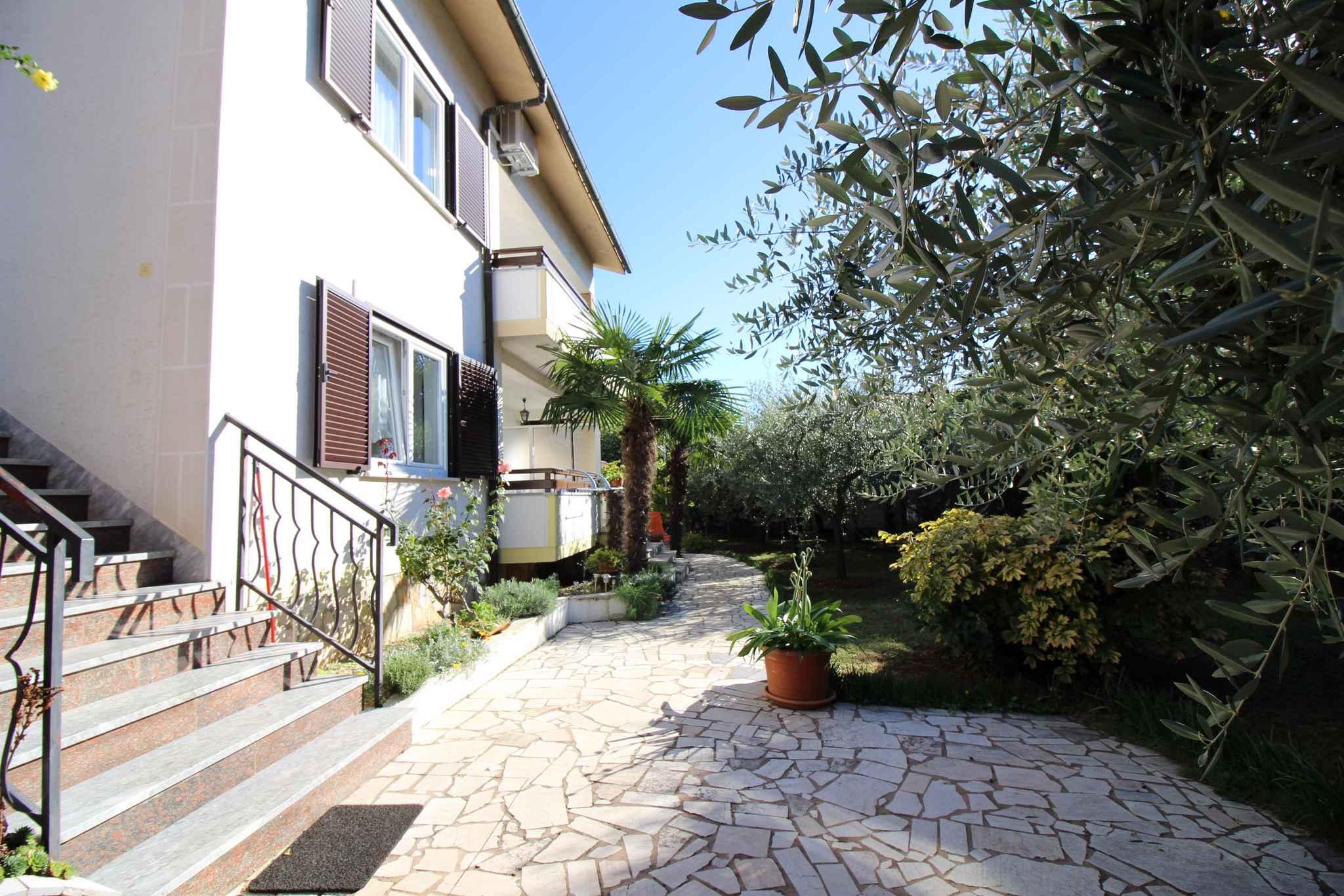Ferienwohnung mit schönem Garten und Grill (280313), Porec, , Istrien, Kroatien, Bild 2