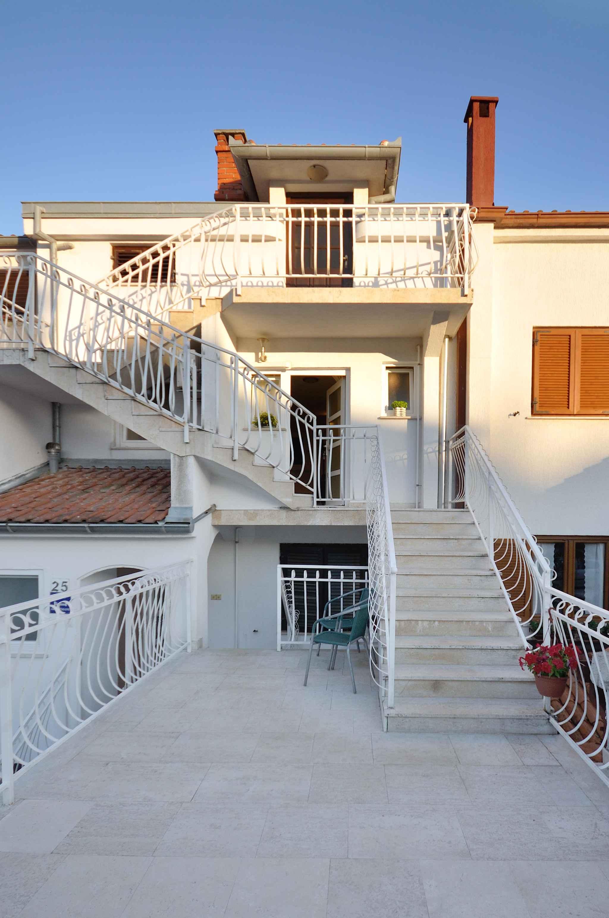 Ferienwohnung mit überdachter Loggia (280655), Pula, , Istrien, Kroatien, Bild 2