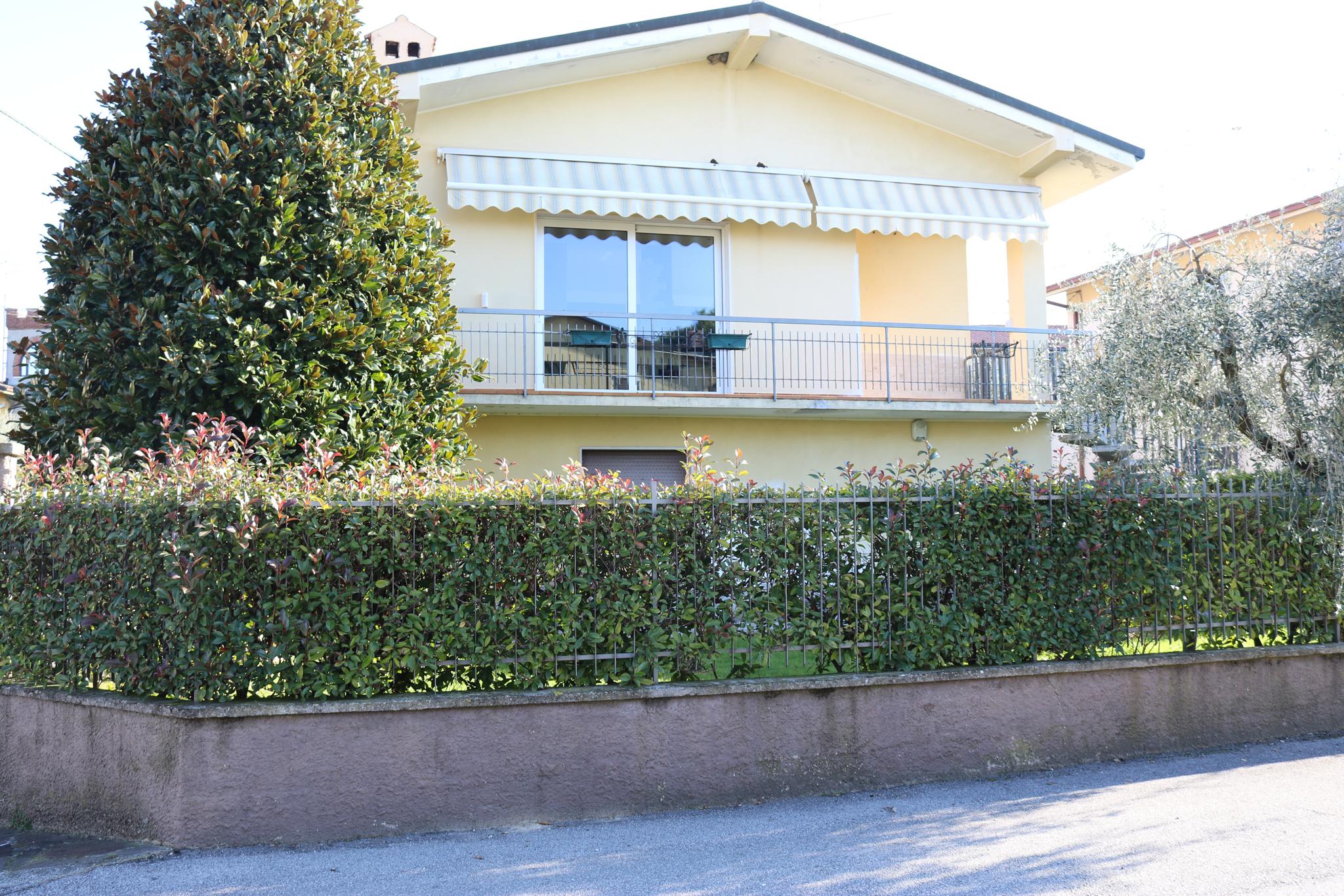 Ferienwohnung Wohnung mit großem Garten   Gardasee - Lago di Garda