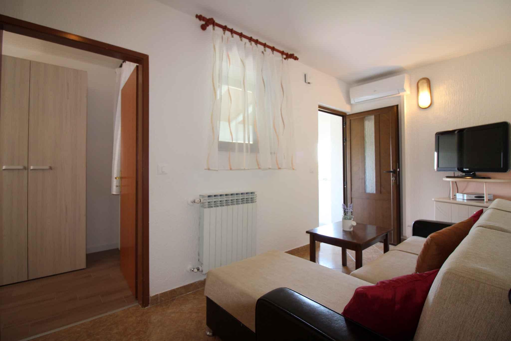Ferienwohnung mit schönem Balkon und Gartenmöbeln (280241), Porec, , Istrien, Kroatien, Bild 11