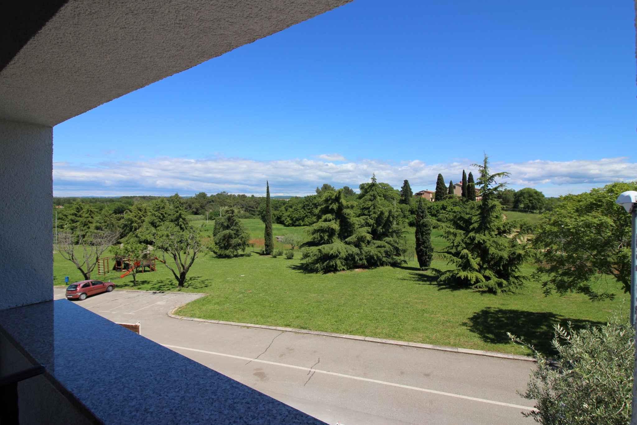 Ferienwohnung mit schönem Balkon und Gartenmöbeln (280241), Porec, , Istrien, Kroatien, Bild 2