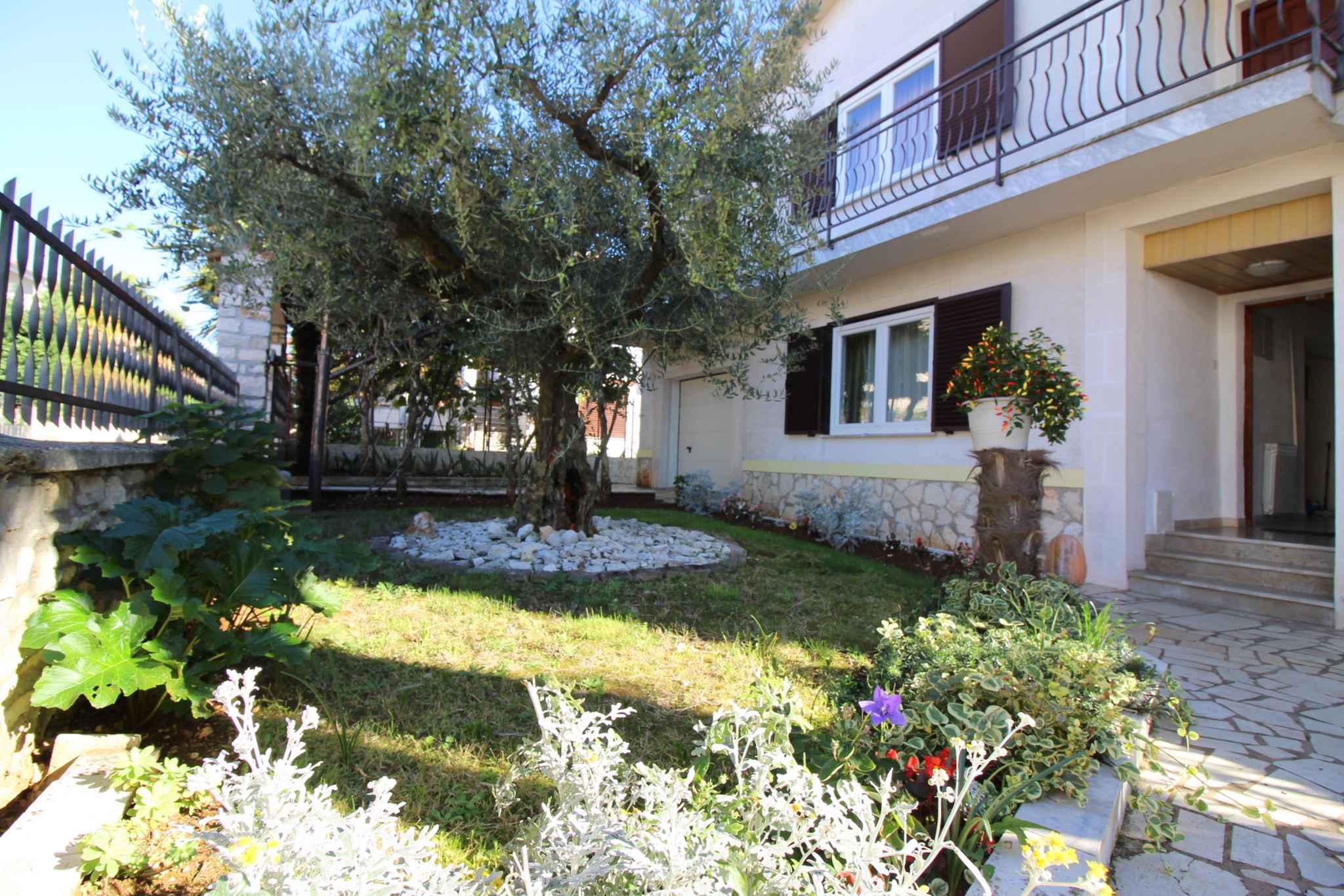 Ferienwohnung mit schönem Garten (280254), Porec, , Istrien, Kroatien, Bild 2