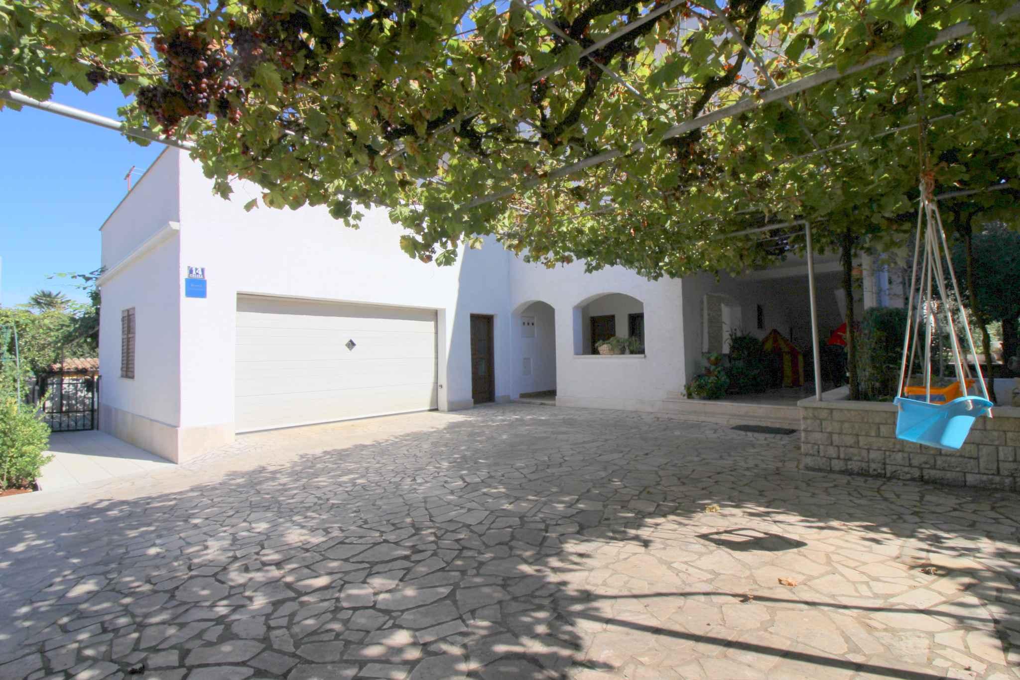 Ferienwohnung mit Wlan und schöner Terrasse (280336), Porec, , Istrien, Kroatien, Bild 2