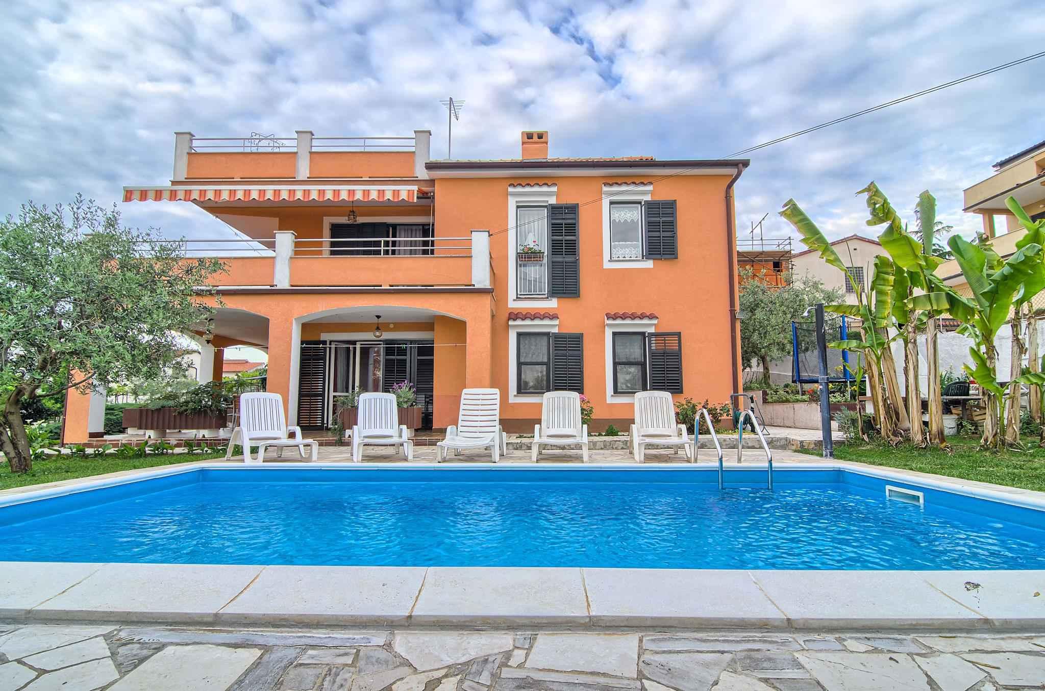 Ferienwohnung mit Pool und 32 qm Terrasse (280631), Pula, , Istrien, Kroatien, Bild 1