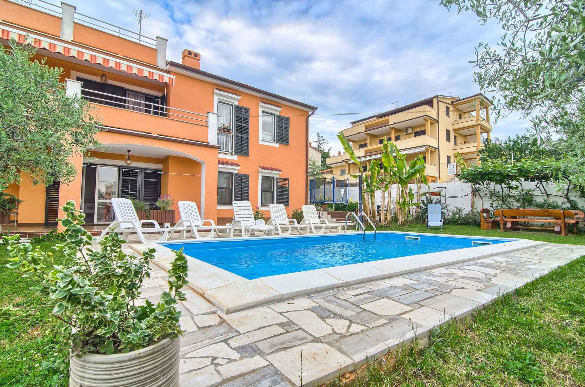 Ferienwohnung mit Pool und 32 qm Terrasse (280631), Pula, , Istrien, Kroatien, Bild 2