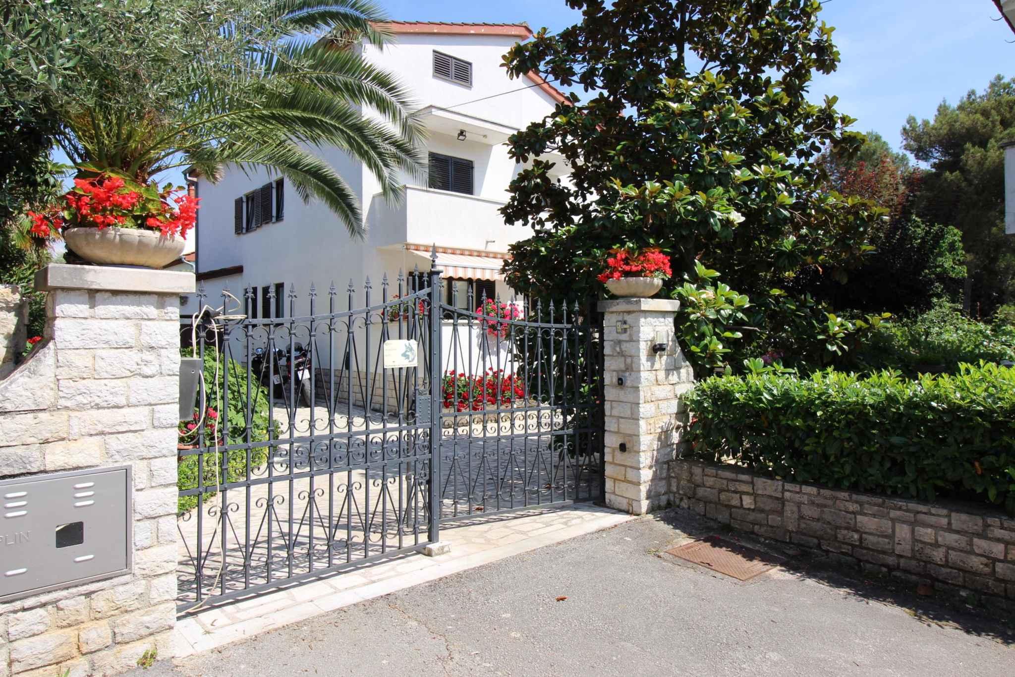 Ferienwohnung mit schönem Garten und Grill (280320), Porec, , Istrien, Kroatien, Bild 2