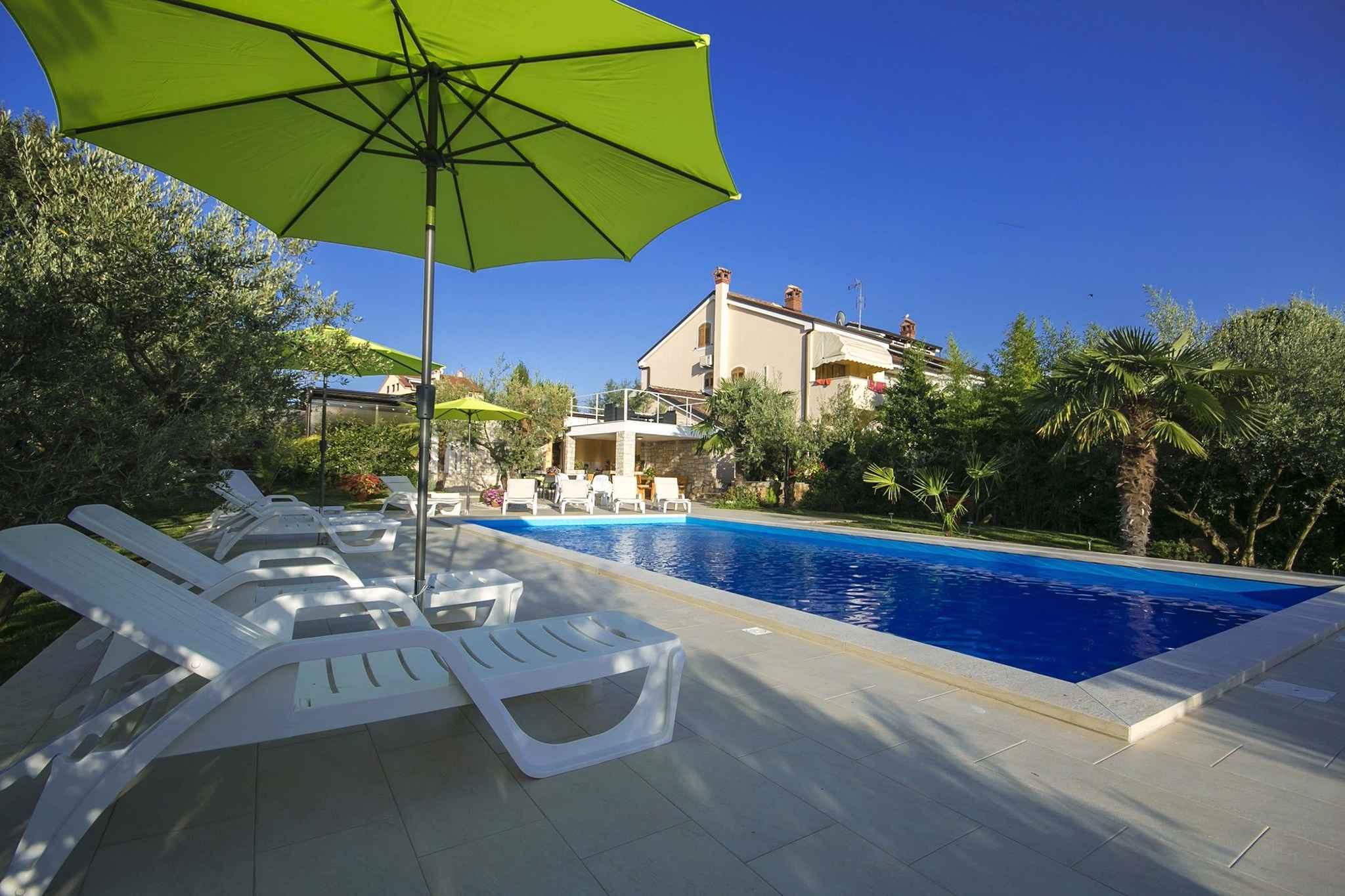 Ferienwohnung mit Pool und 250 m vom Strand  in Istrien