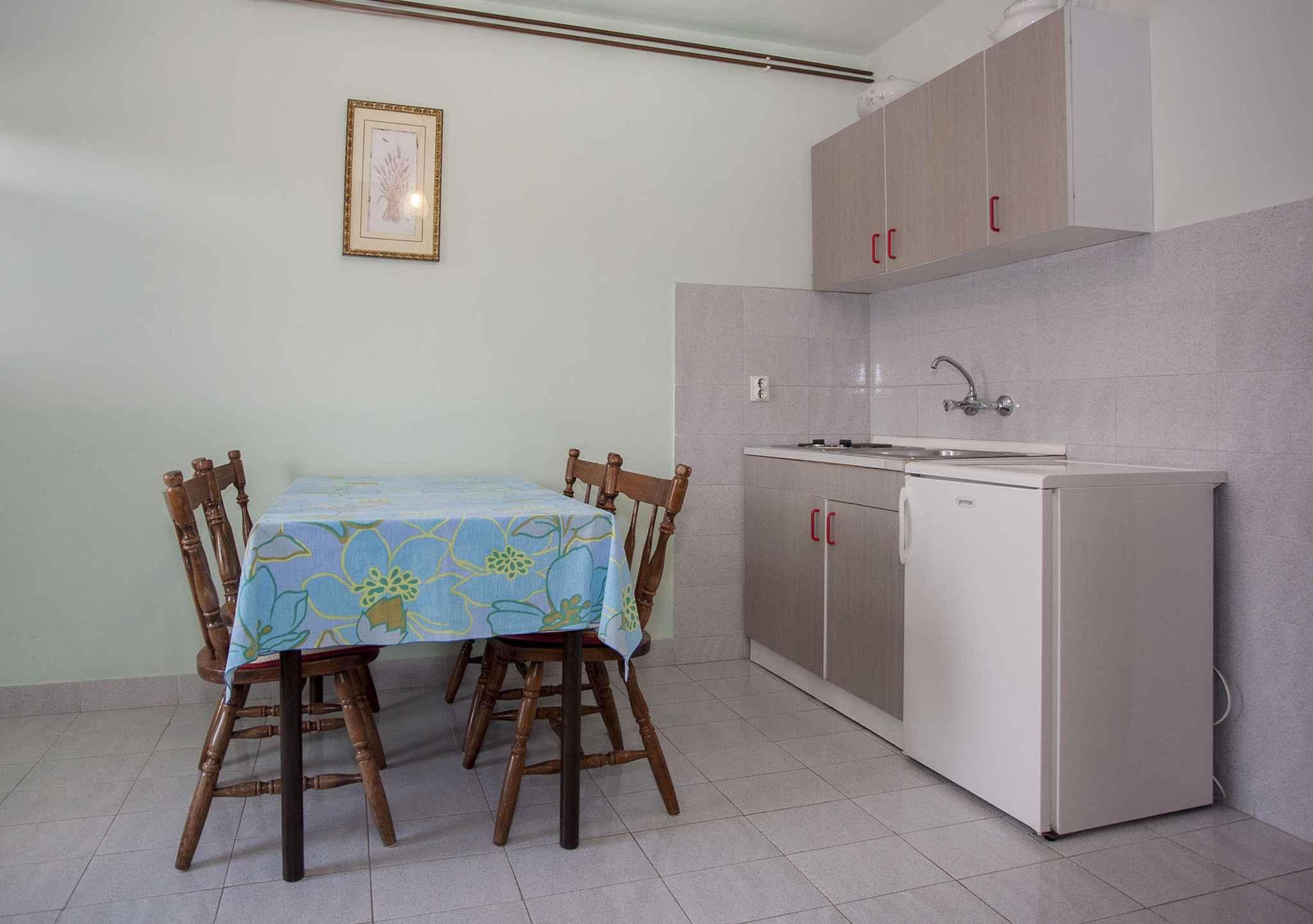 Ferienwohnung mit 10 qm großer Terrasse (281007), Rovinj, , Istrien, Kroatien, Bild 7