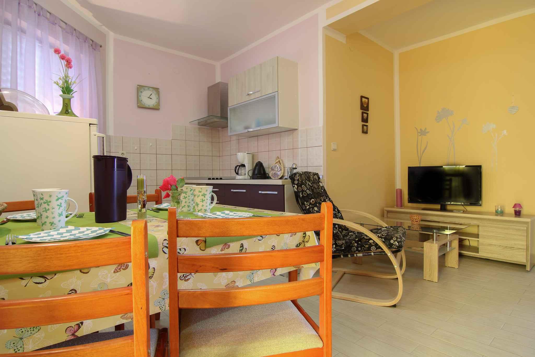 Ferienwohnung mit SAT-TV nur 200 m zum Kiesstrand (280836), Fažana, , Istrien, Kroatien, Bild 9