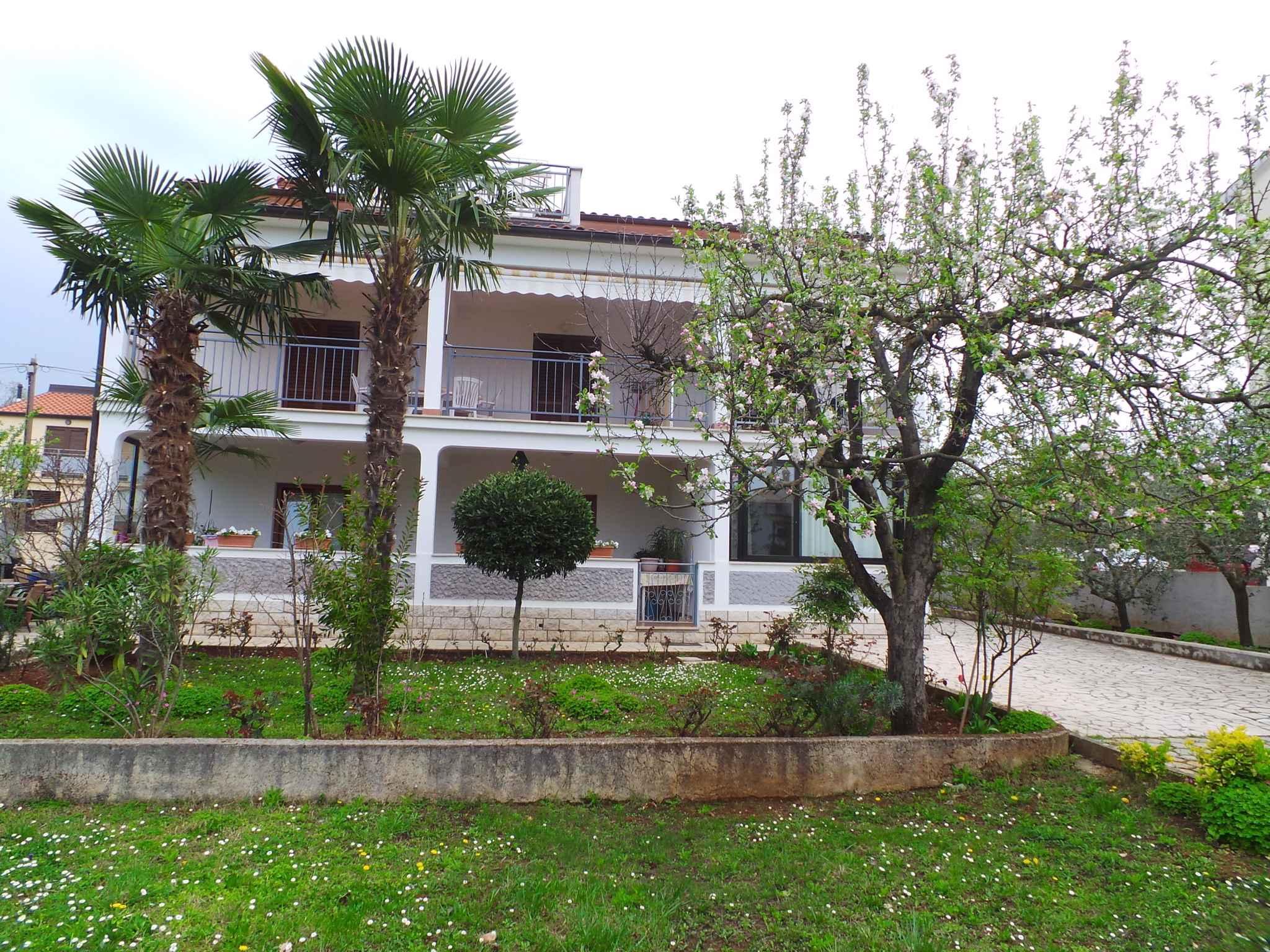Ferienwohnung mit 24 qm großer Terrasse (280330), Porec, , Istrien, Kroatien, Bild 2
