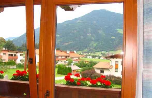 Ferienwohnung mit Balkon in Zentrumsnähe (283767), Kaltenbach, Zillertal, Tirol, Österreich, Bild 2