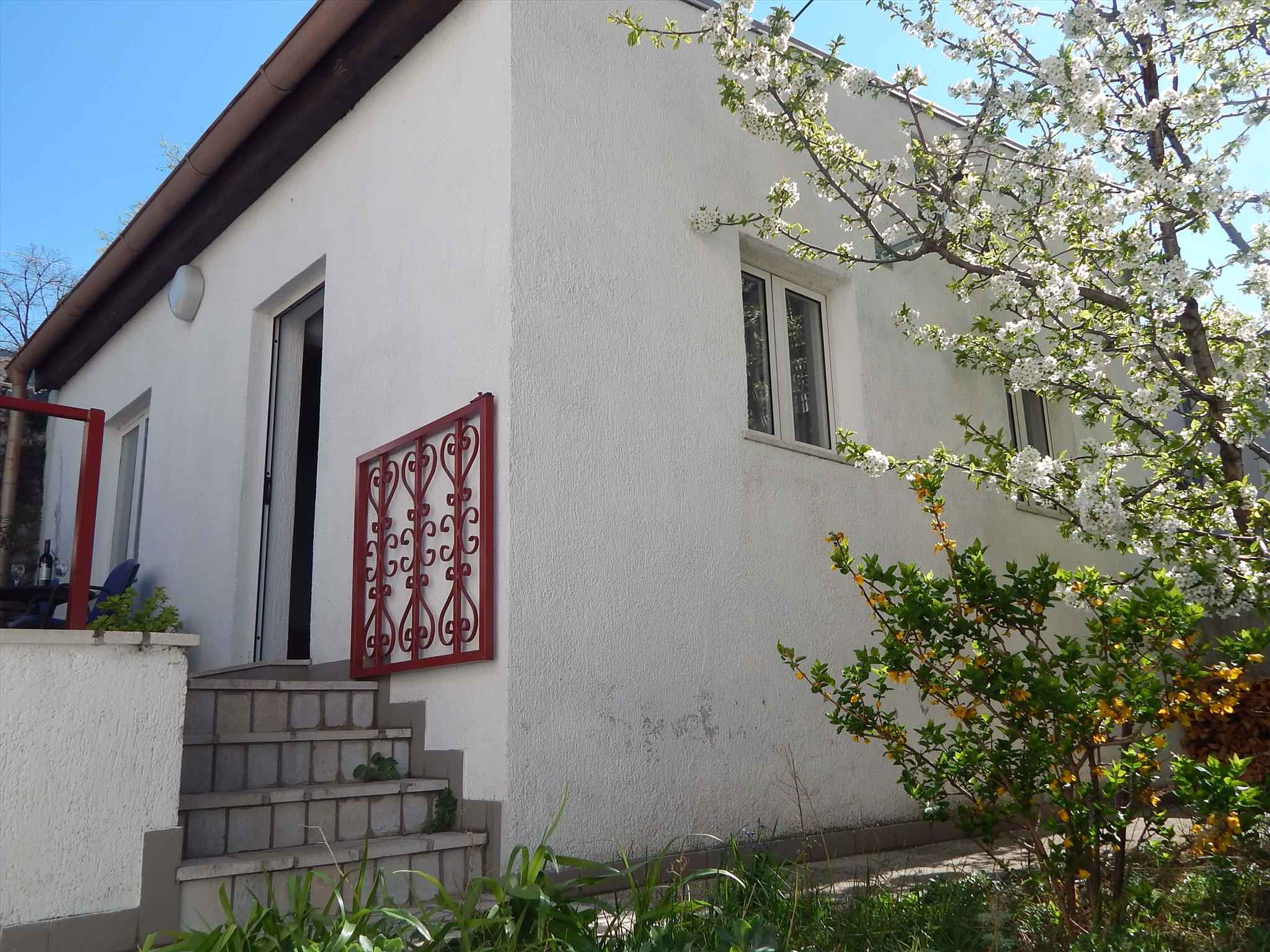 Ferienhaus mit Terrasse, Grill und Internet Ferienhaus in Kroatien