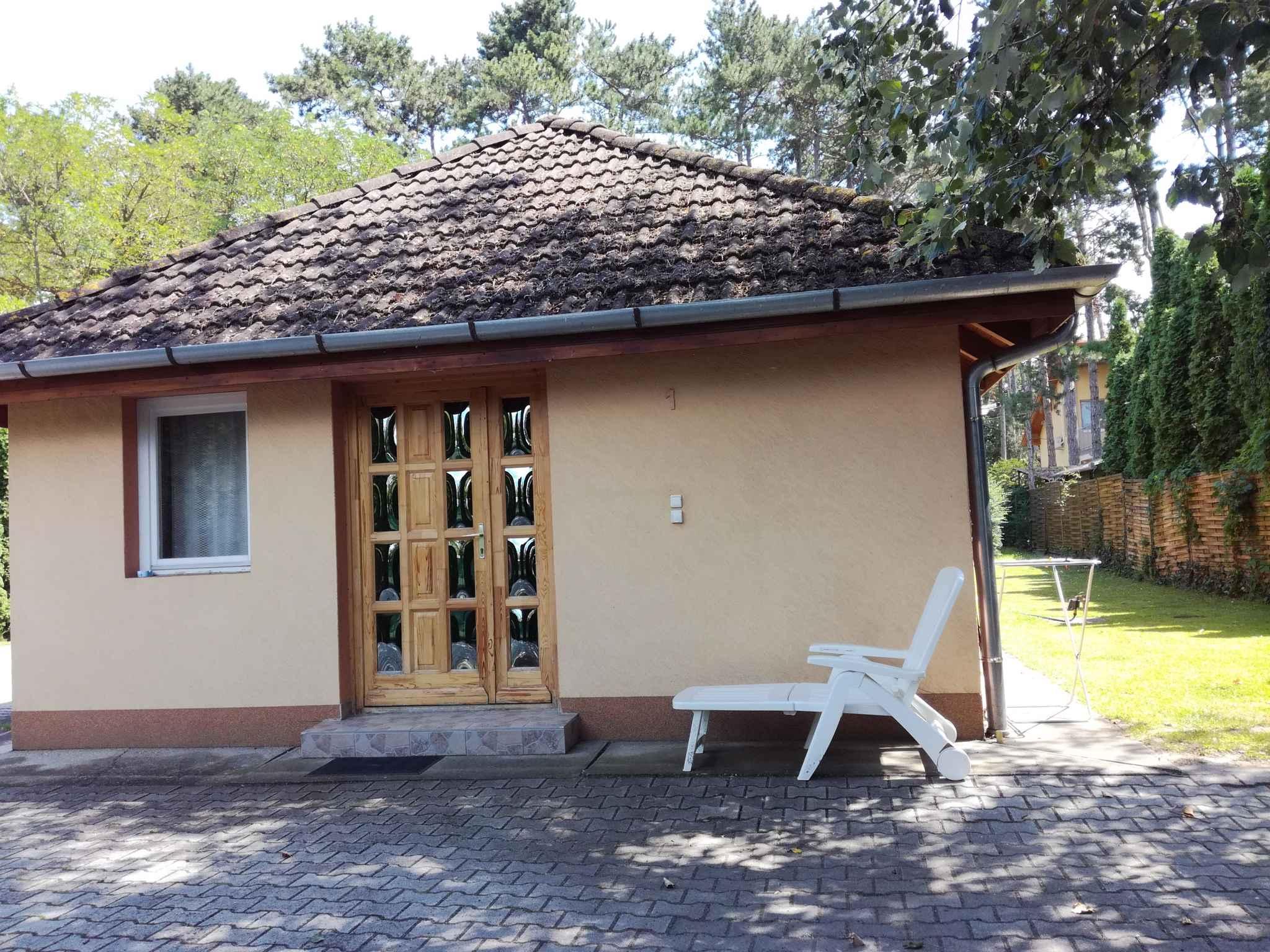 Ferienwohnung mit Gartenpavillon und Grill