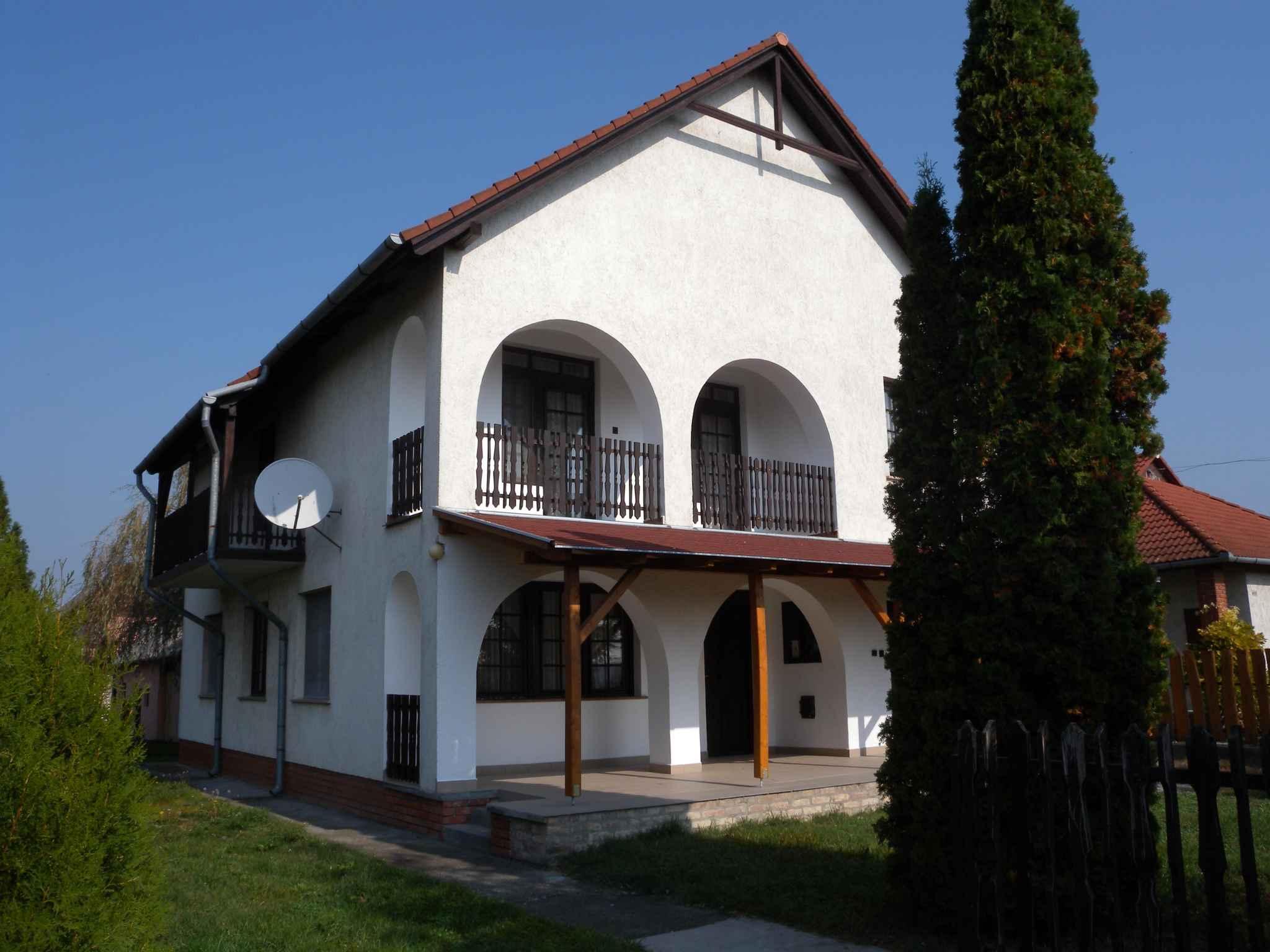 Ferienhaus mit Aussenpool Whirlpool und Sauna