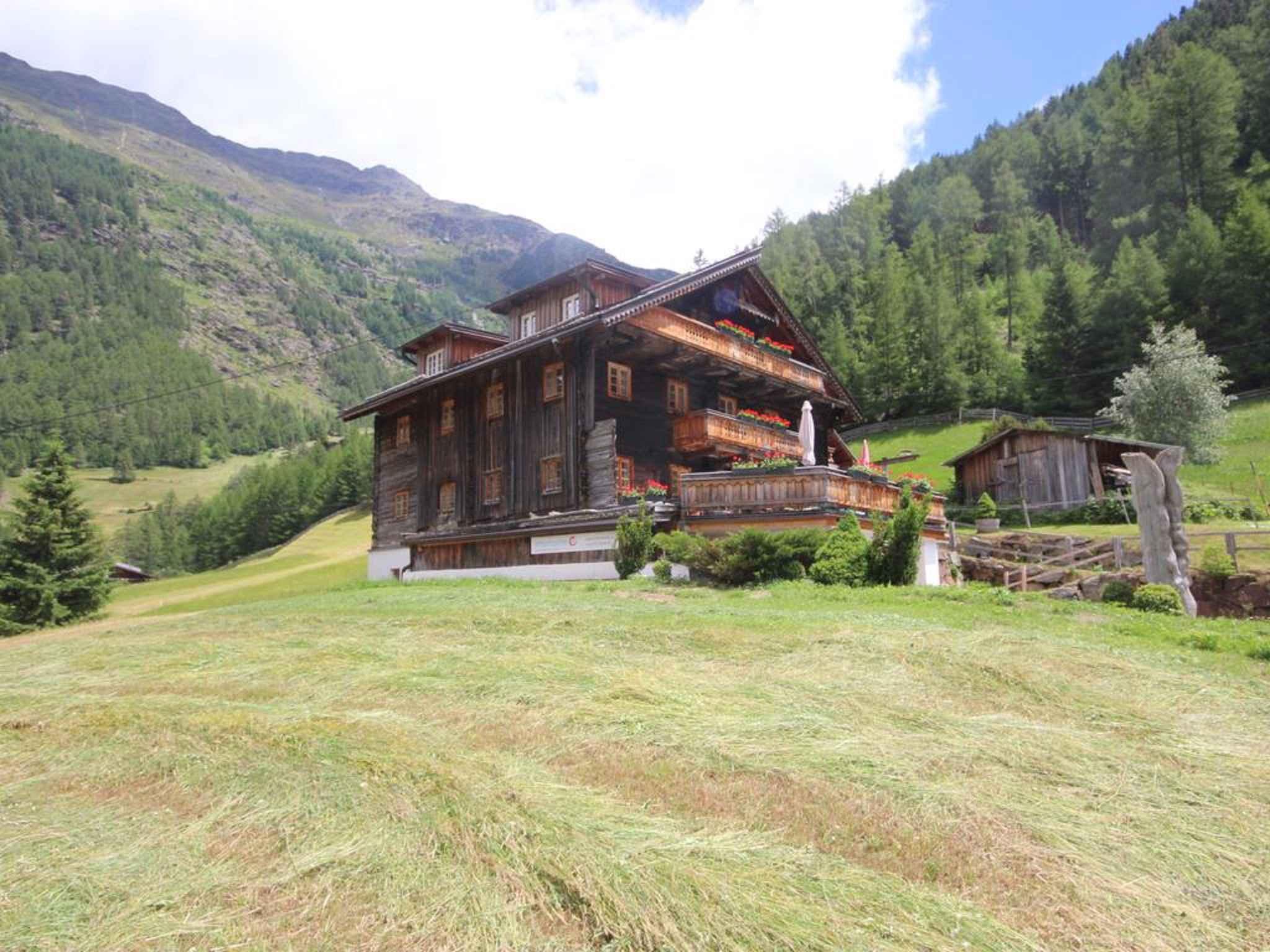 Ferienwohnung in einem über 300 Jahre alten Holzhaus (283708), Sölden (AT), Ötztal, Tirol, Österreich, Bild 2