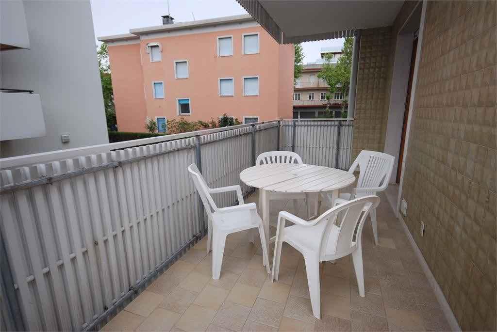 Ferienwohnung mit überdachten Balkon (279370), Lignano Sabbiadoro, Adriaküste (Friaul-Julisch Venetien), Friaul-Julisch Venetien, Italien, Bild 2