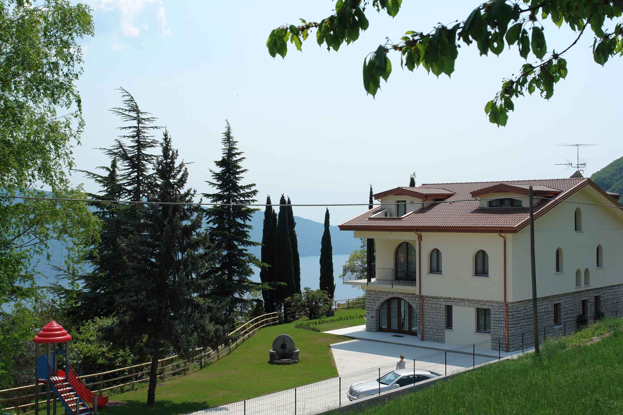 Ferienwohnung mit Blick auf den Gardasee   Gardasee - Lago di Garda