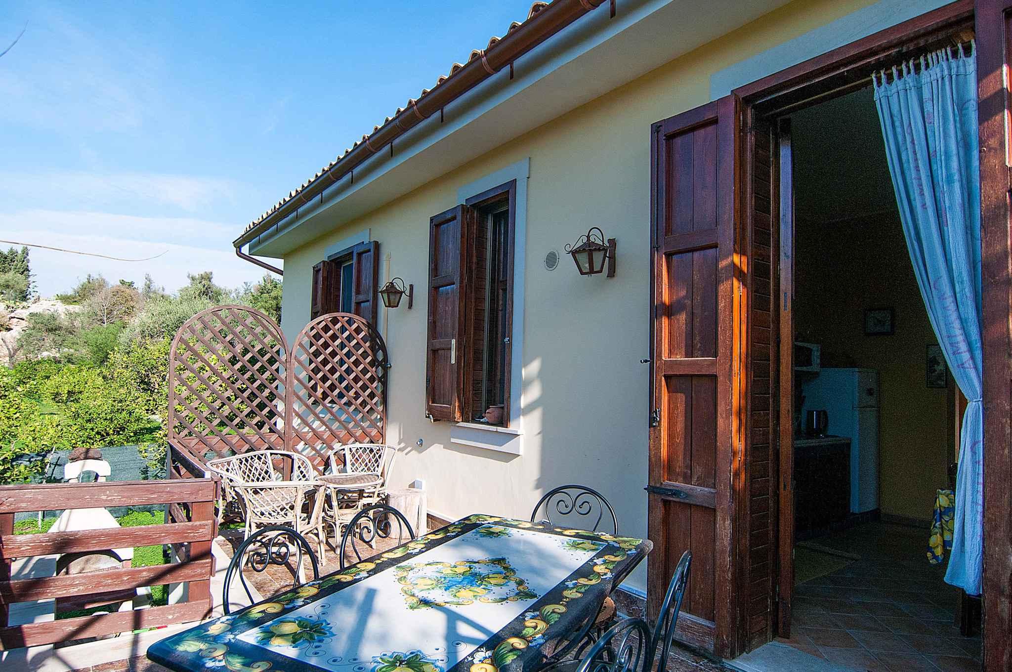 Maison de vacances mit Blick auf Zitronengarten (317534), Lido di Noto, Siracusa, Sicile, Italie, image 1