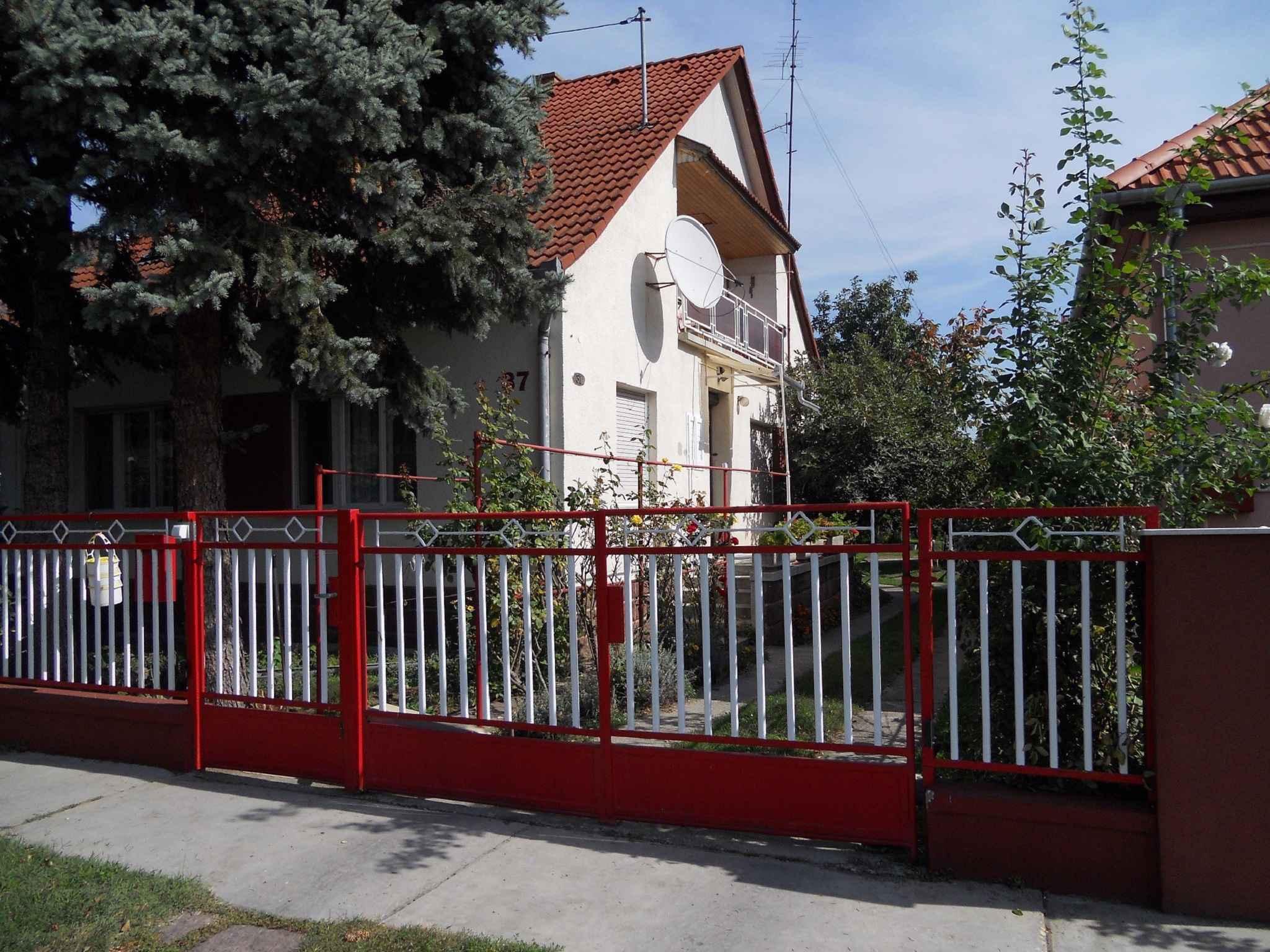 Ferienhaus mit schattigem Garten Ferienhaus  Balatonlelle