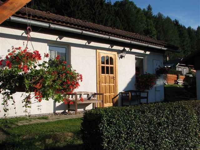 Bungalow mit Aussicht und Außenpool Ferienhaus  Tschechische Republik