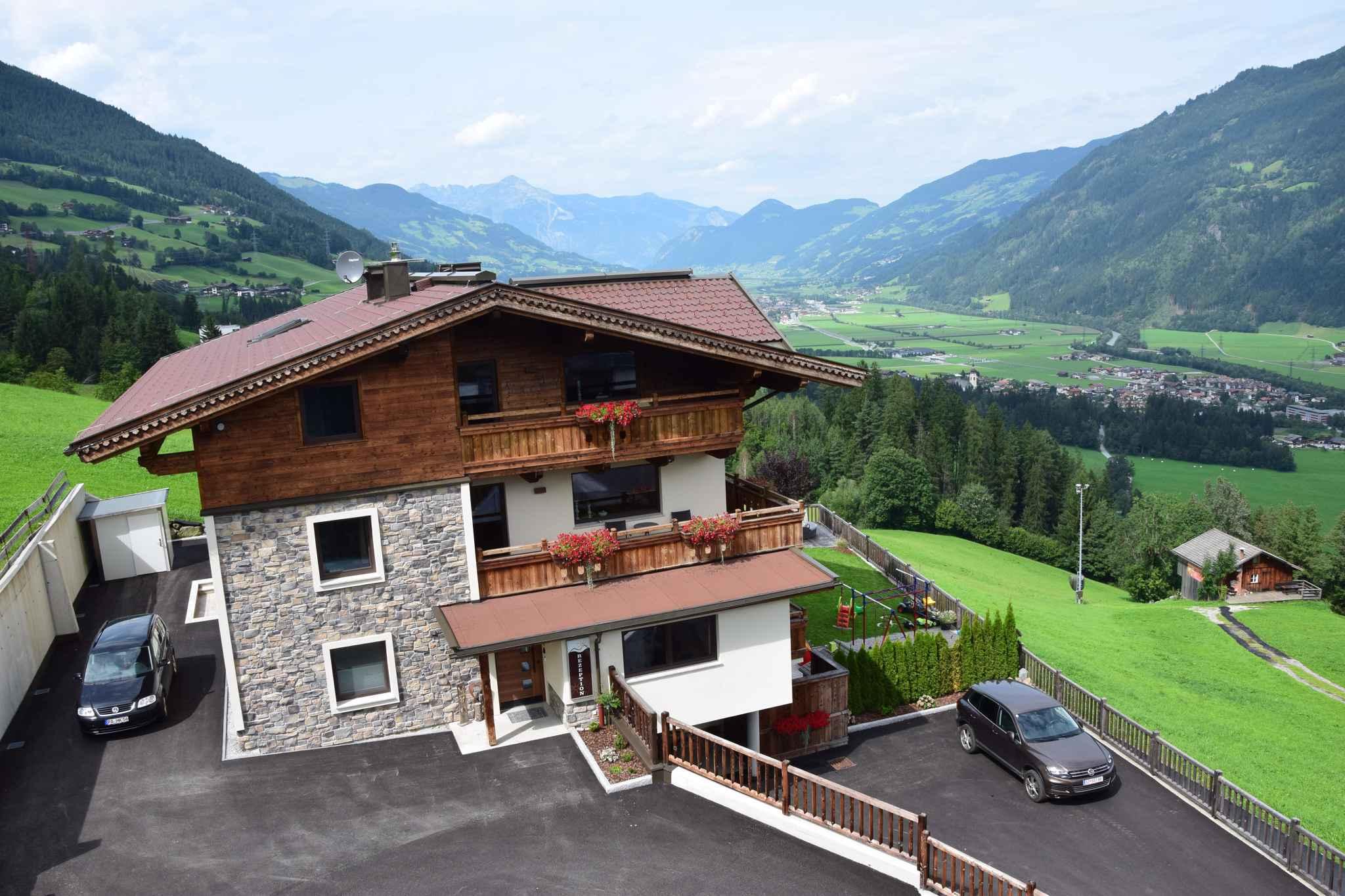 Holiday apartment mit Outdoor-Whirlpool direkt an der Piste (456967), Kaltenbach, Zillertal, Tyrol, Austria, picture 2