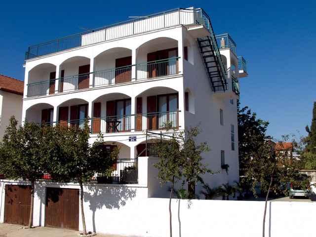 Ferienwohnung mit 60 qm Terrasse