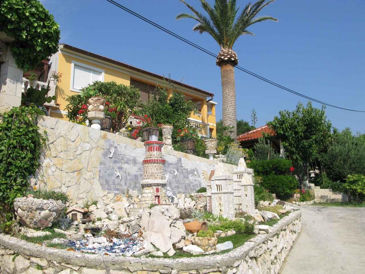 Ferienwohnung im Grünen mit Meerblick und 2 B  in Kroatien