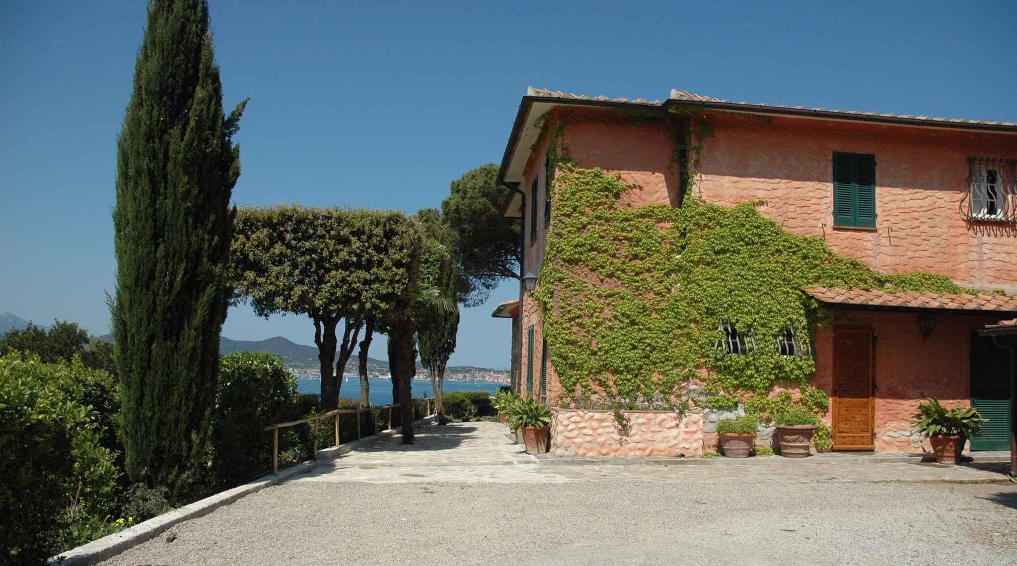 Ferienhaus Villa mit Whirlpool und Grillmöglichkeit (760810), Portoferraio, Elba, Toskana, Italien, Bild 2
