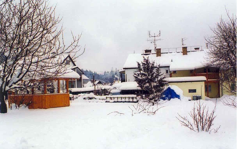 Ferienwohnung mit gemeinsamem Garten und Pavillon