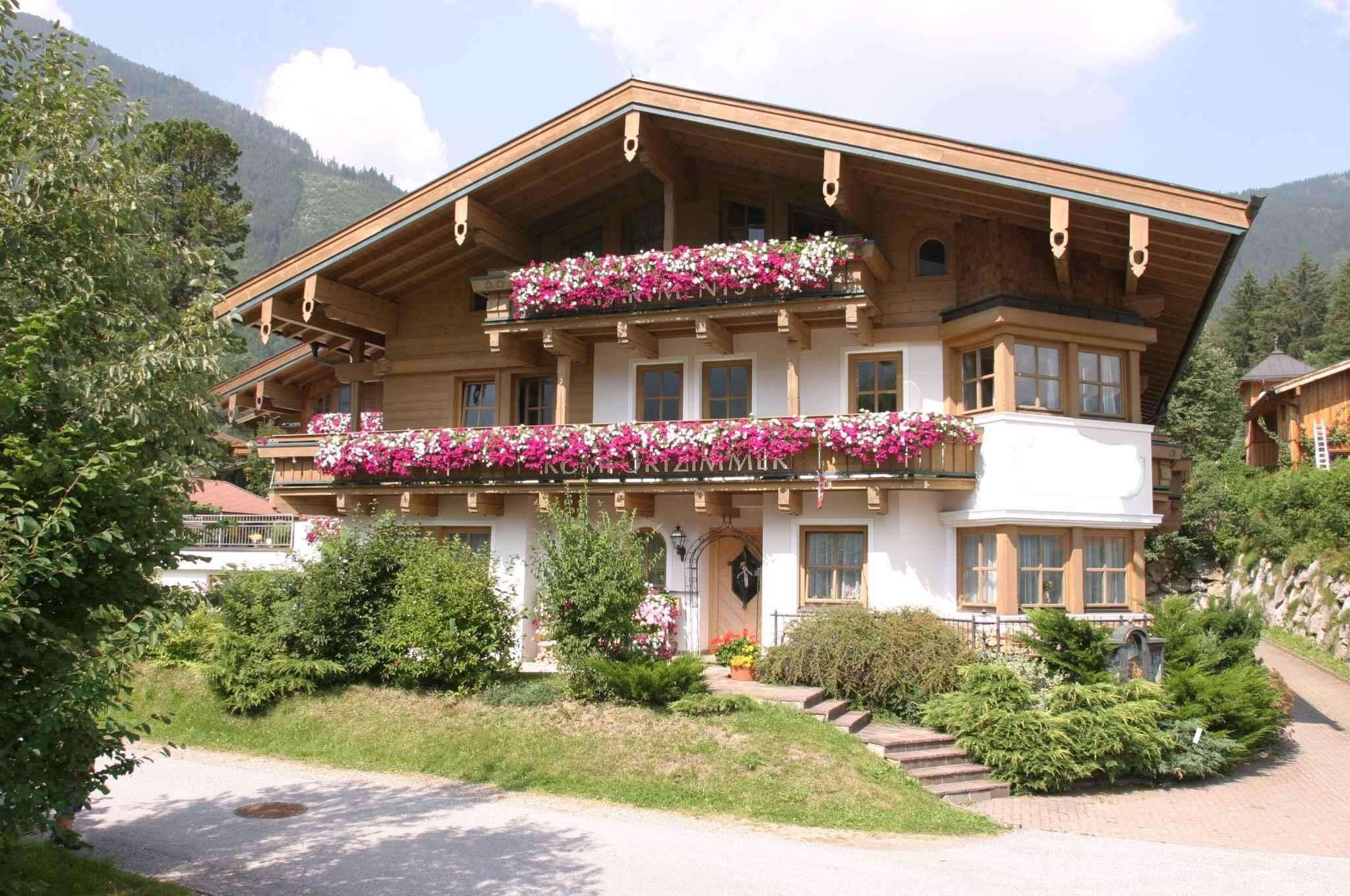 Ferienwohnung mit Balkon in ruhiger Lage (310160), Krimml, Pinzgau, Salzburg, Österreich, Bild 2