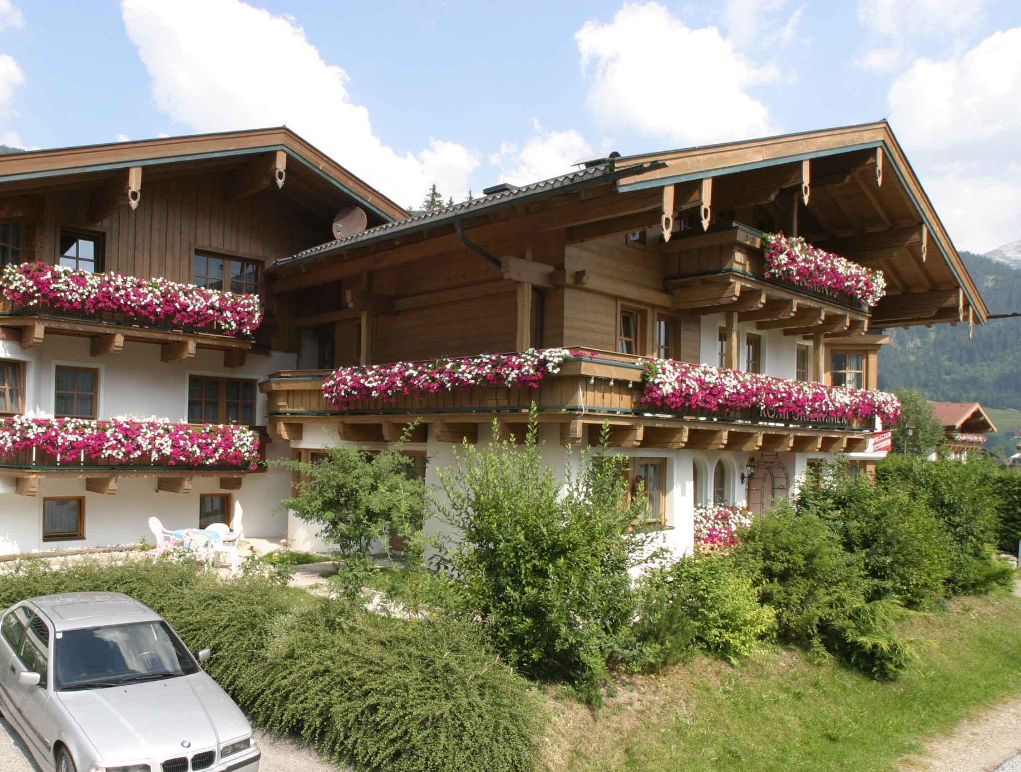 Ferienwohnung mit Balkon in ruhiger Lage (310160), Krimml, Pinzgau, Salzburg, Österreich, Bild 3