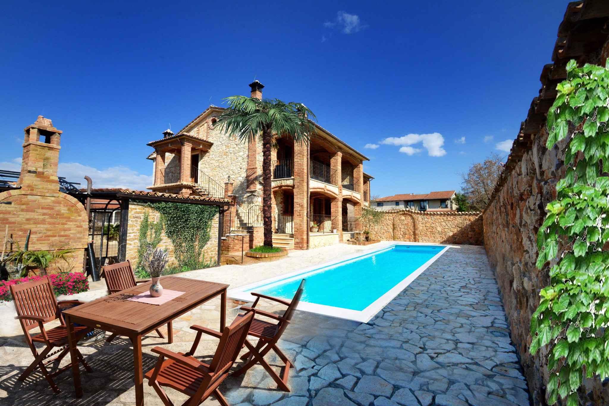Ferienwohnung mit Pool und im toskanischen Stil  in Kroatien