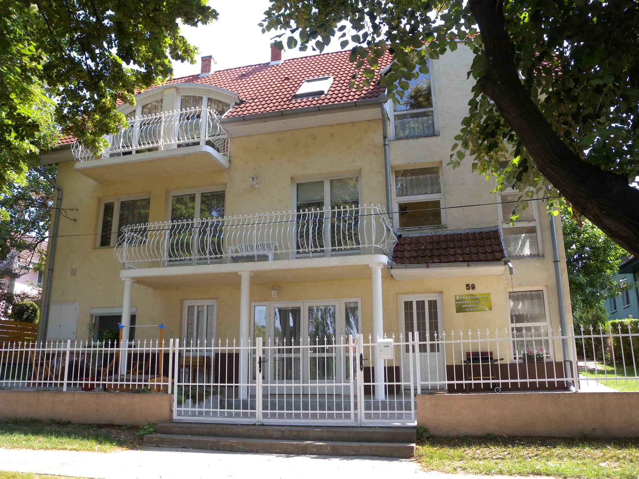 Ferienwohnung mit Kinderspielplatz und Balkon  in Ungarn
