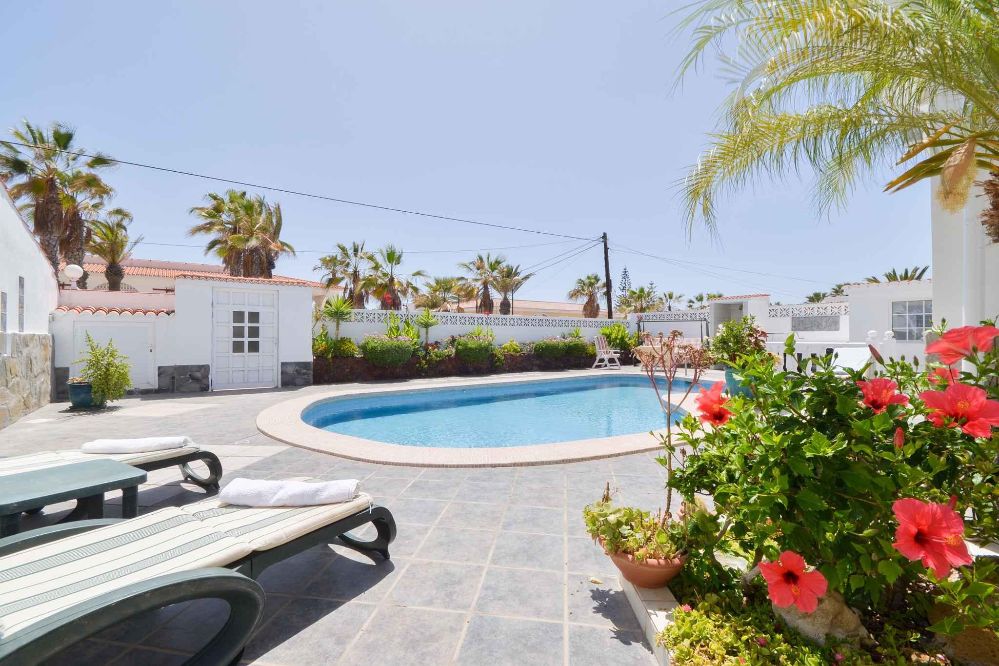Ferienwohnung mit Außenpool in Privatvilla (1671518), Palm-Mar, Teneriffa, Kanarische Inseln, Spanien, Bild 4