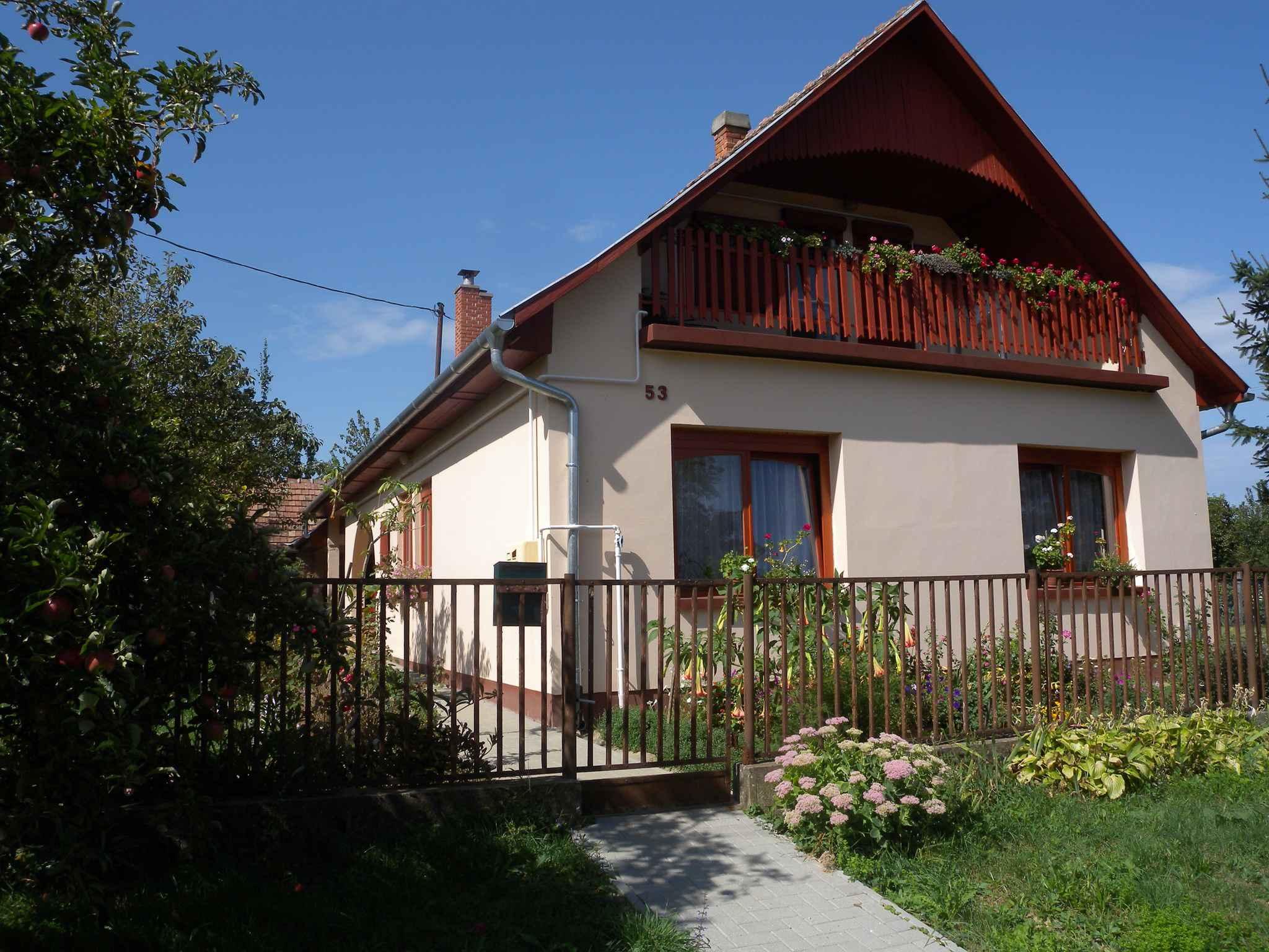 Ferienwohnung mit Terrasse und Gartenpavillon  in Ungarn