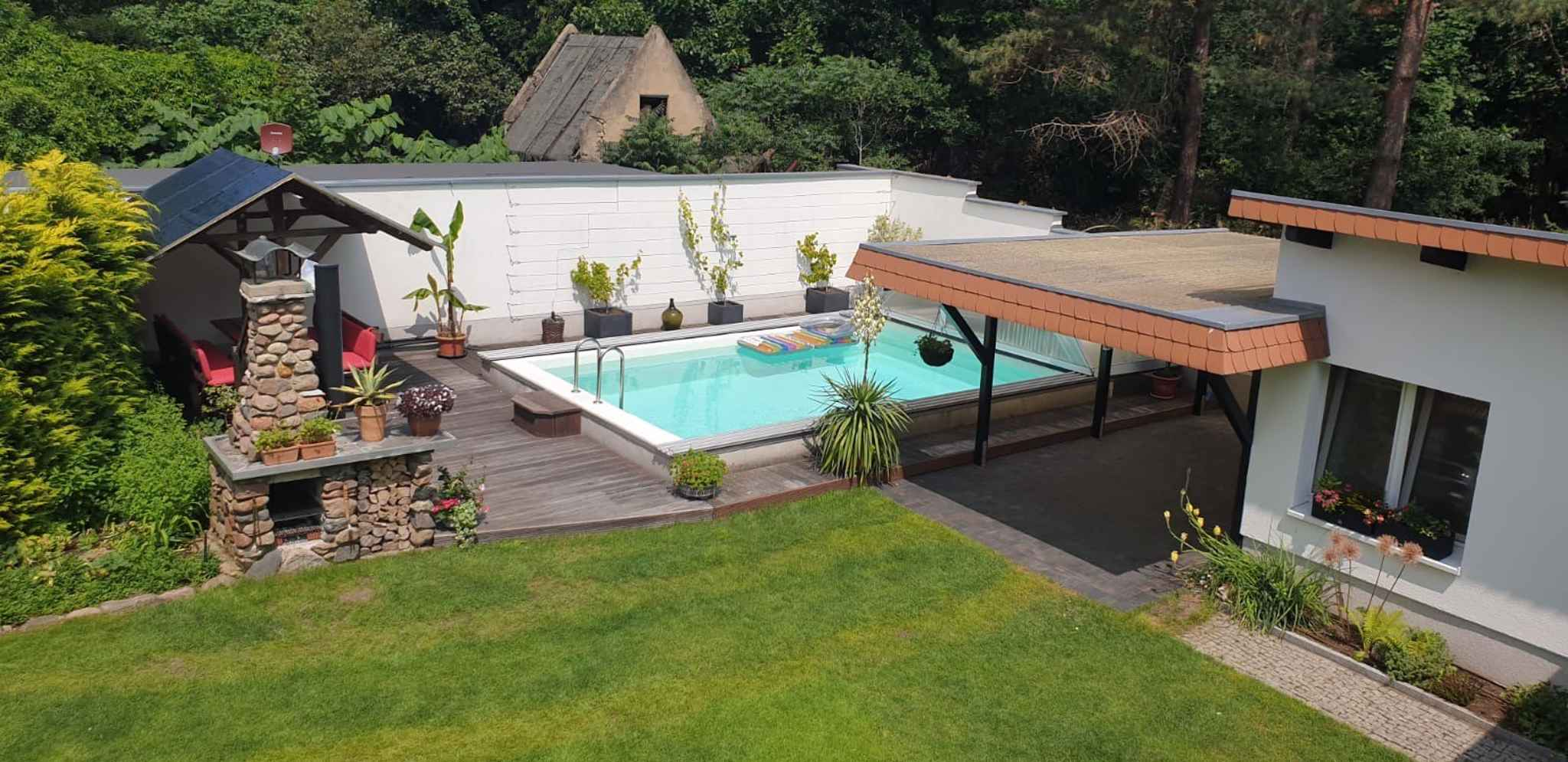 Ferienhaus gemütlich eingerichtet mit Pool un