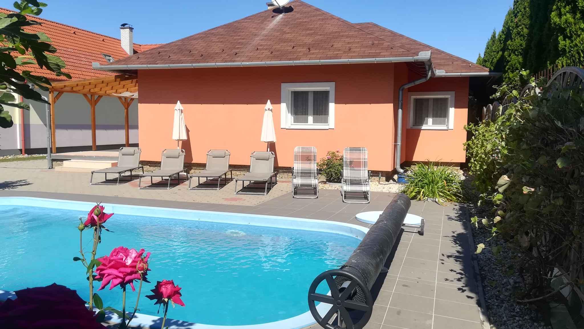 Bungalow mit Pool und Internet Ferienhaus in Ungarn