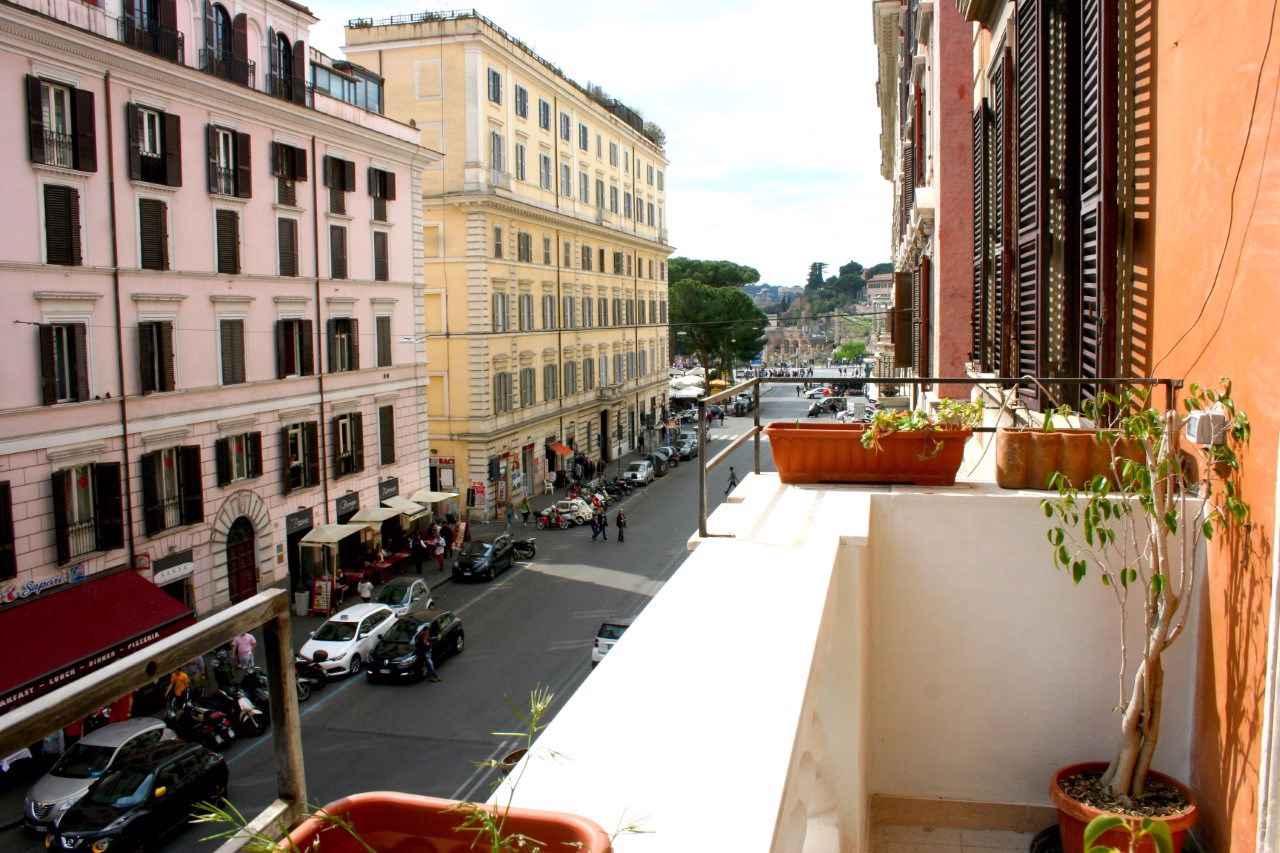 Ferienwohnung con vista sul Colosseo (2209005), Rom, Rom, Latium, Italien, Bild 1