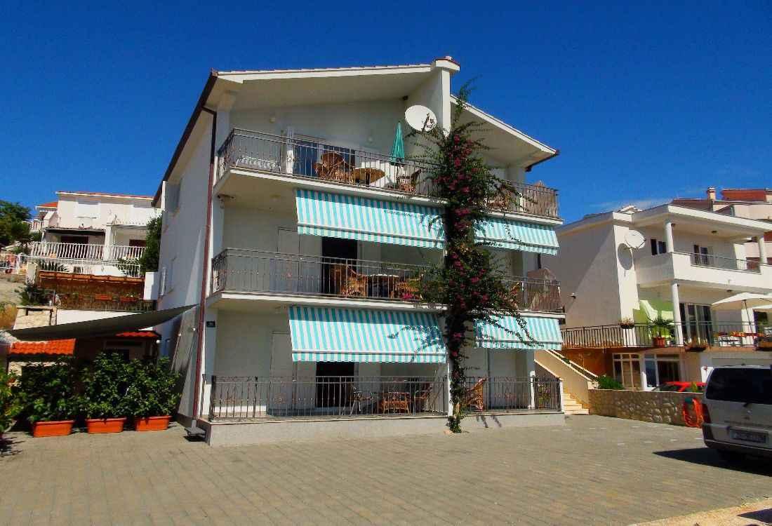 Ferienwohnung nur 50 m vom Strand mit Meerblick  in Kroatien