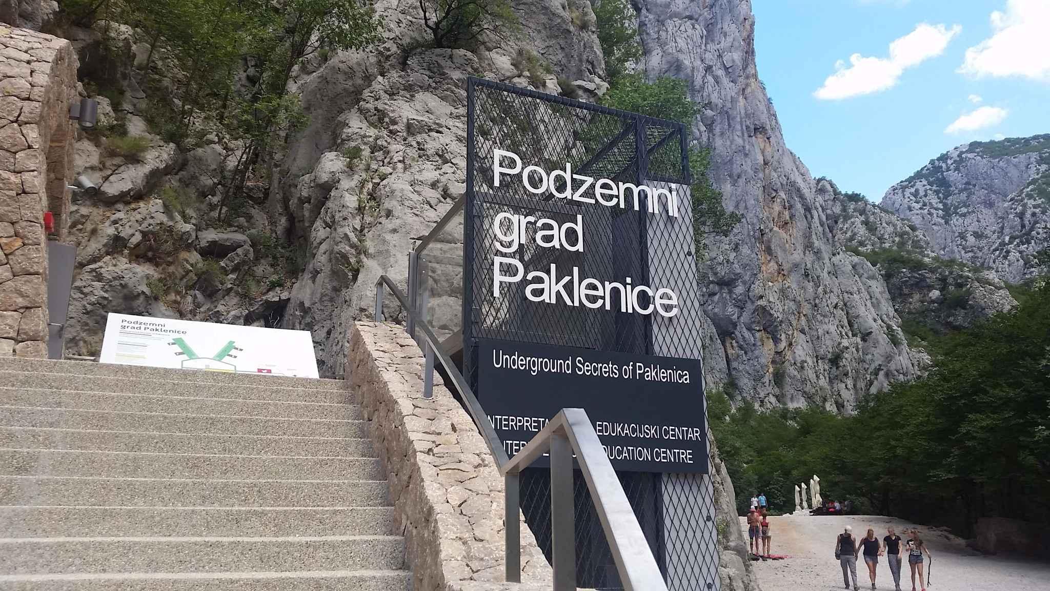 Ferienwohnung für 2 Familien geeignet (287922), Starigrad Paklenica, , Dalmatien, Kroatien, Bild 2