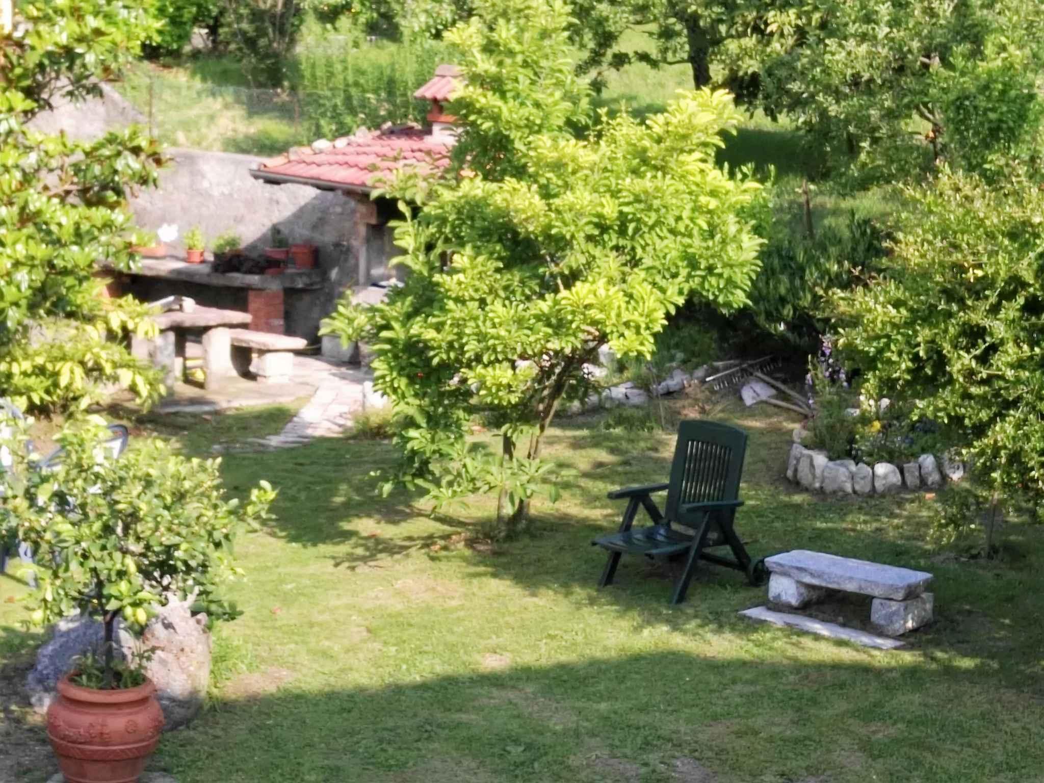 Ferienwohnung mit Liegewiese   Gardasee - Lago di Garda