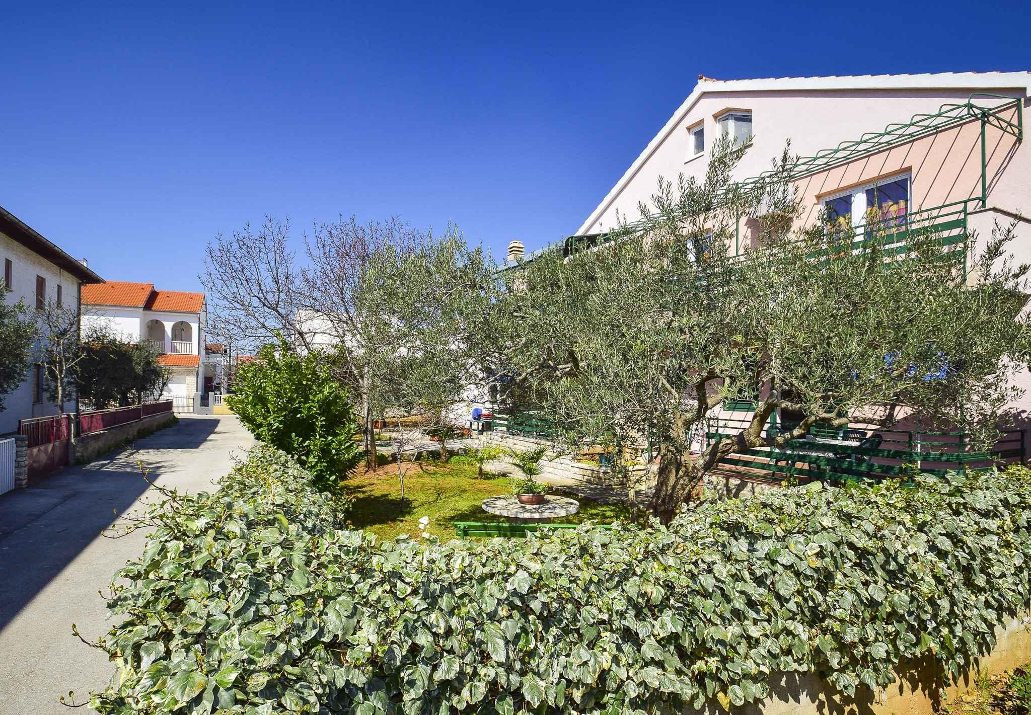 Ferienwohnung mit überdachter Terrasse (278787), Vodice, , Dalmatien, Kroatien, Bild 2