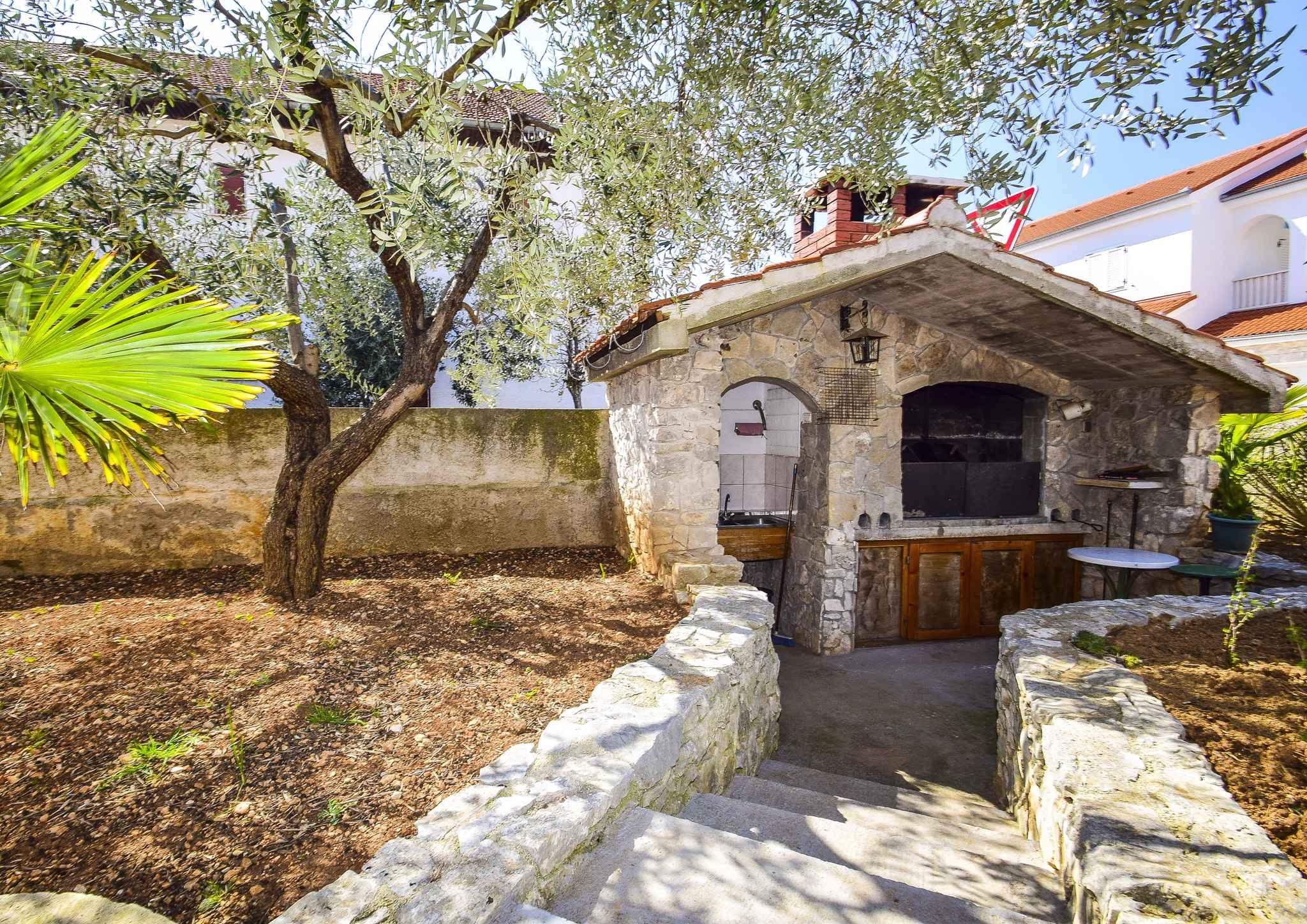 Ferienwohnung mit überdachter Terrasse (278787), Vodice, , Dalmatien, Kroatien, Bild 8