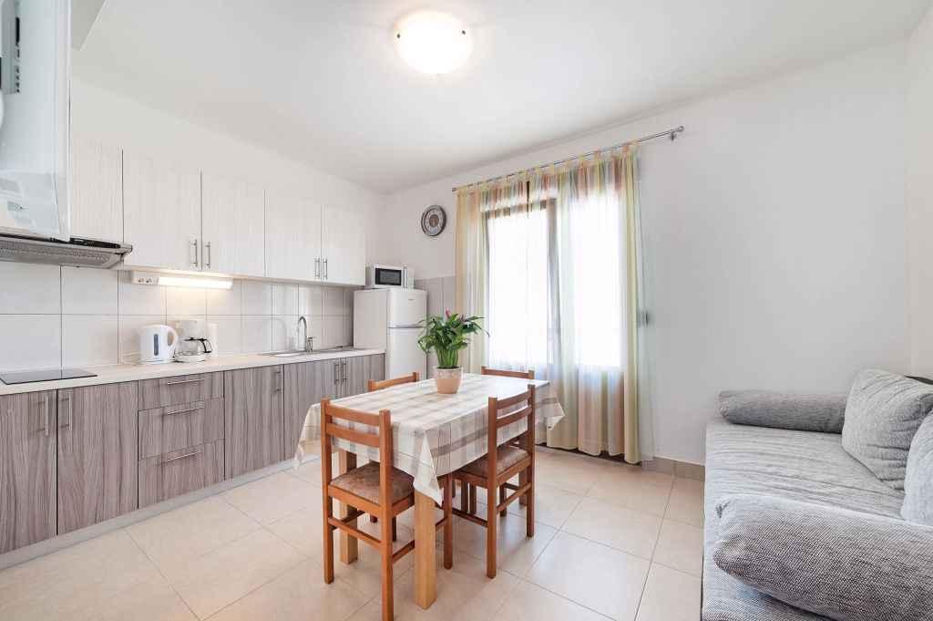 Ferienwohnung mit Klimaanlage und Balkon (278865), Vodice, , Dalmatien, Kroatien, Bild 8