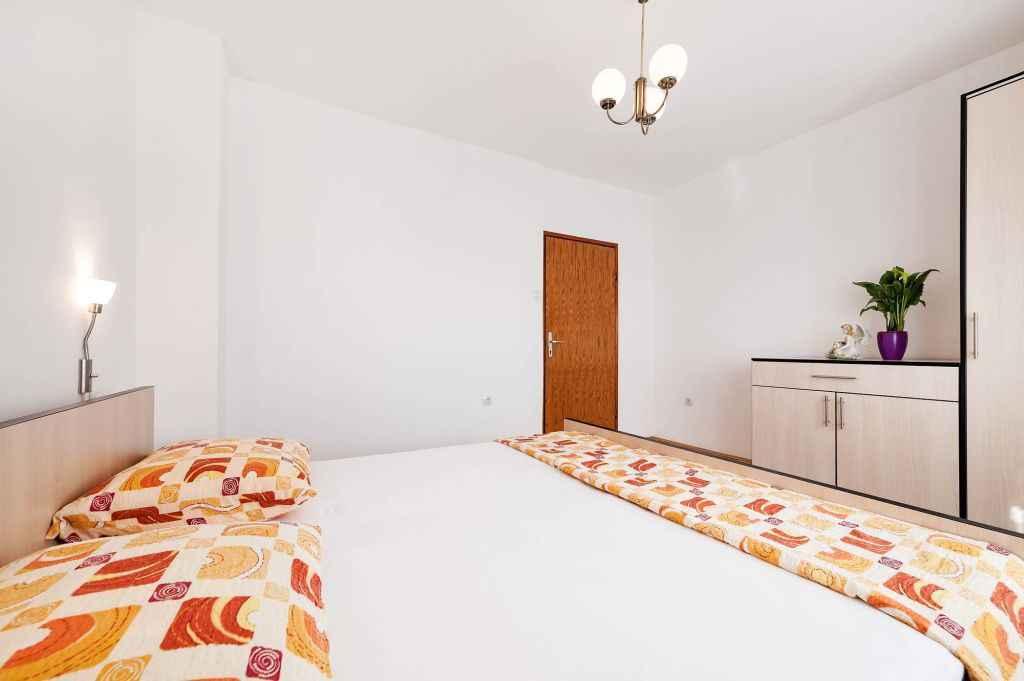 Ferienwohnung mit Klimaanlage und Balkon (278865), Vodice, , Dalmatien, Kroatien, Bild 11