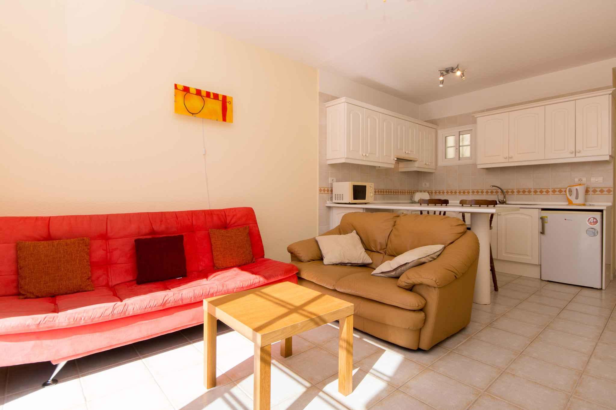 Holiday apartment mit Pool zur gemeinsamen Nutzung (2382910), Los Cristianos, Tenerife, Canary Islands, Spain, picture 13