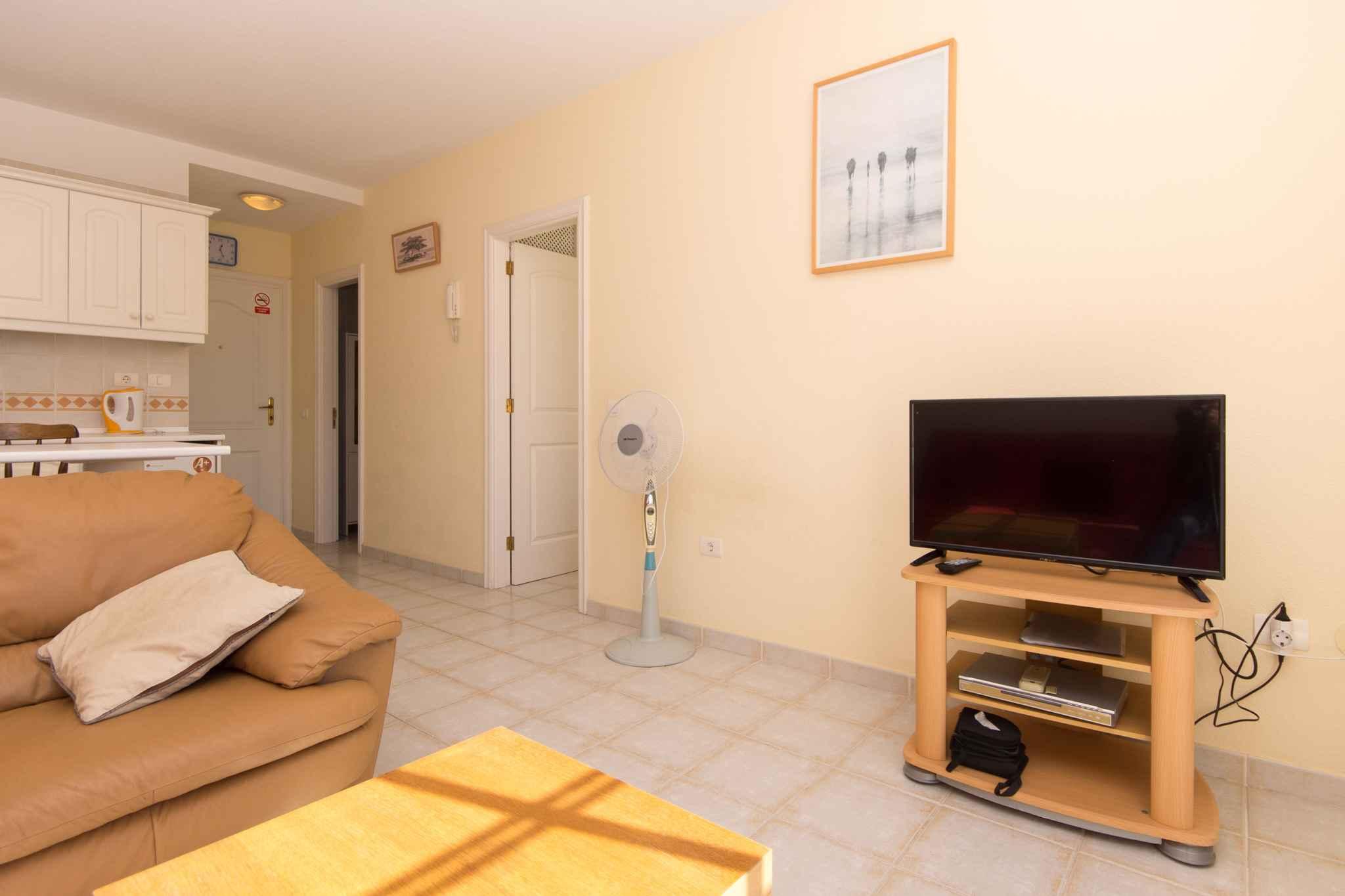 Holiday apartment mit Pool zur gemeinsamen Nutzung (2382910), Los Cristianos, Tenerife, Canary Islands, Spain, picture 14