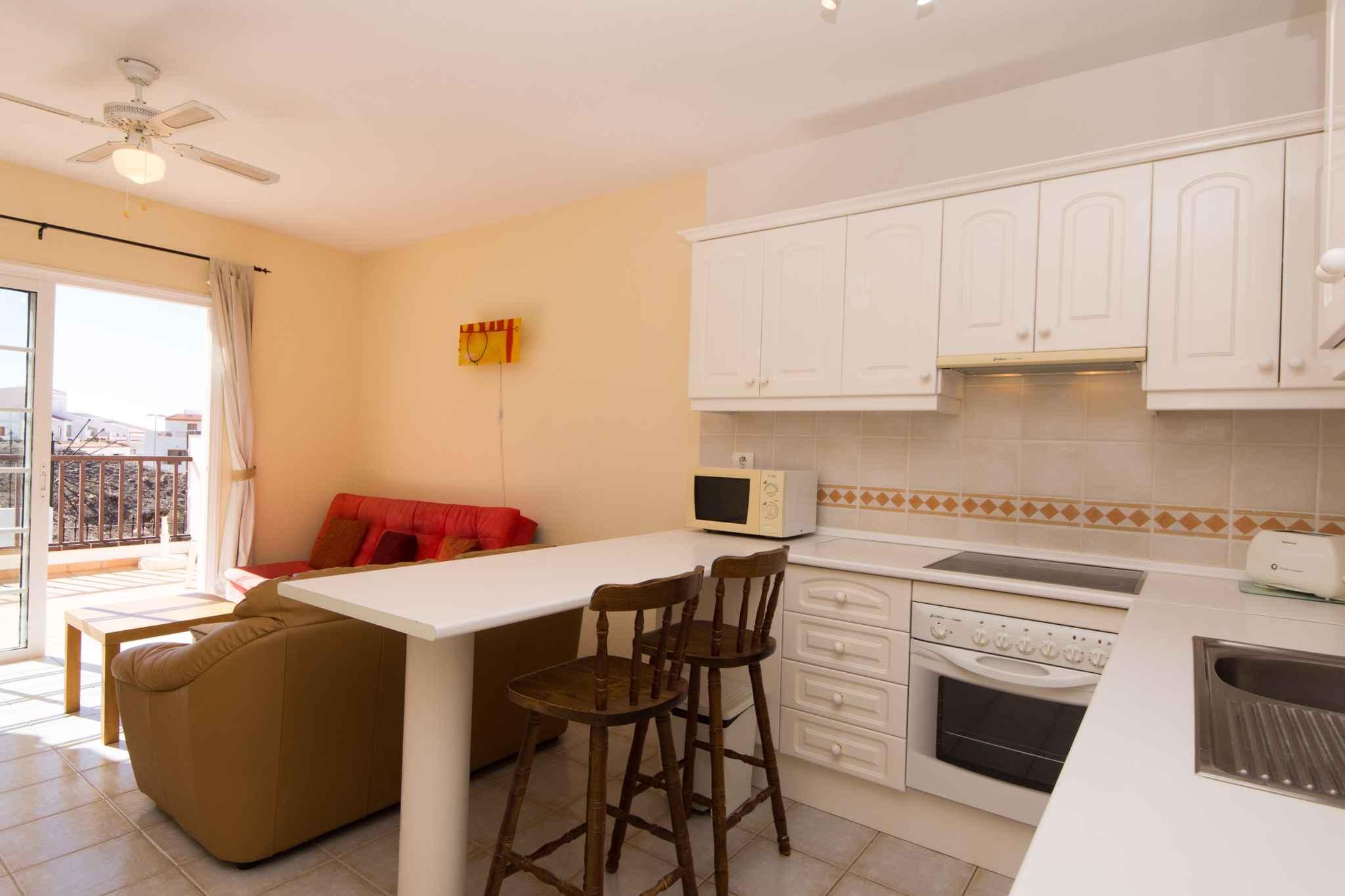 Holiday apartment mit Pool zur gemeinsamen Nutzung (2382910), Los Cristianos, Tenerife, Canary Islands, Spain, picture 8